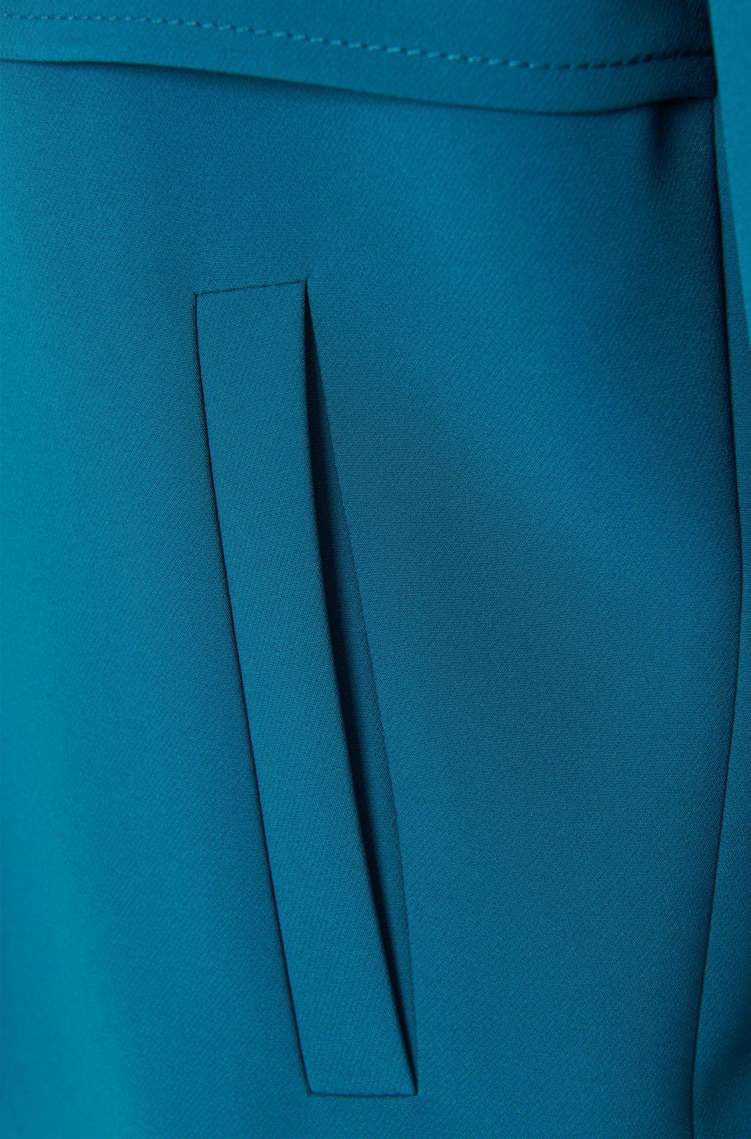 Gerade geschnitter Kurzblazer mit Schulterkoller: 'Aneis'