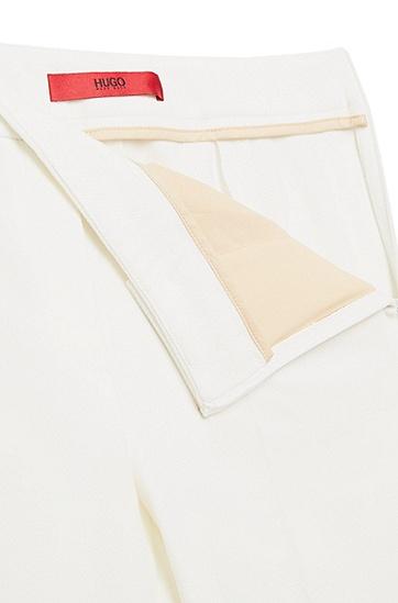 Unifarbene Bügelfaltenhose aus strukturiertem Gewebe: 'Himonis-1', Natur