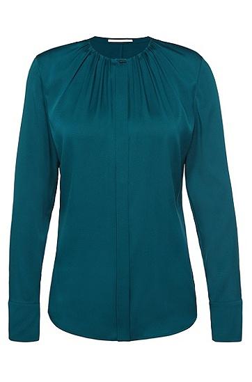 Bluse aus Stretch-Seide mit dekorativen Falten am Ausschnitt: 'Banora5', Dunkelgrün