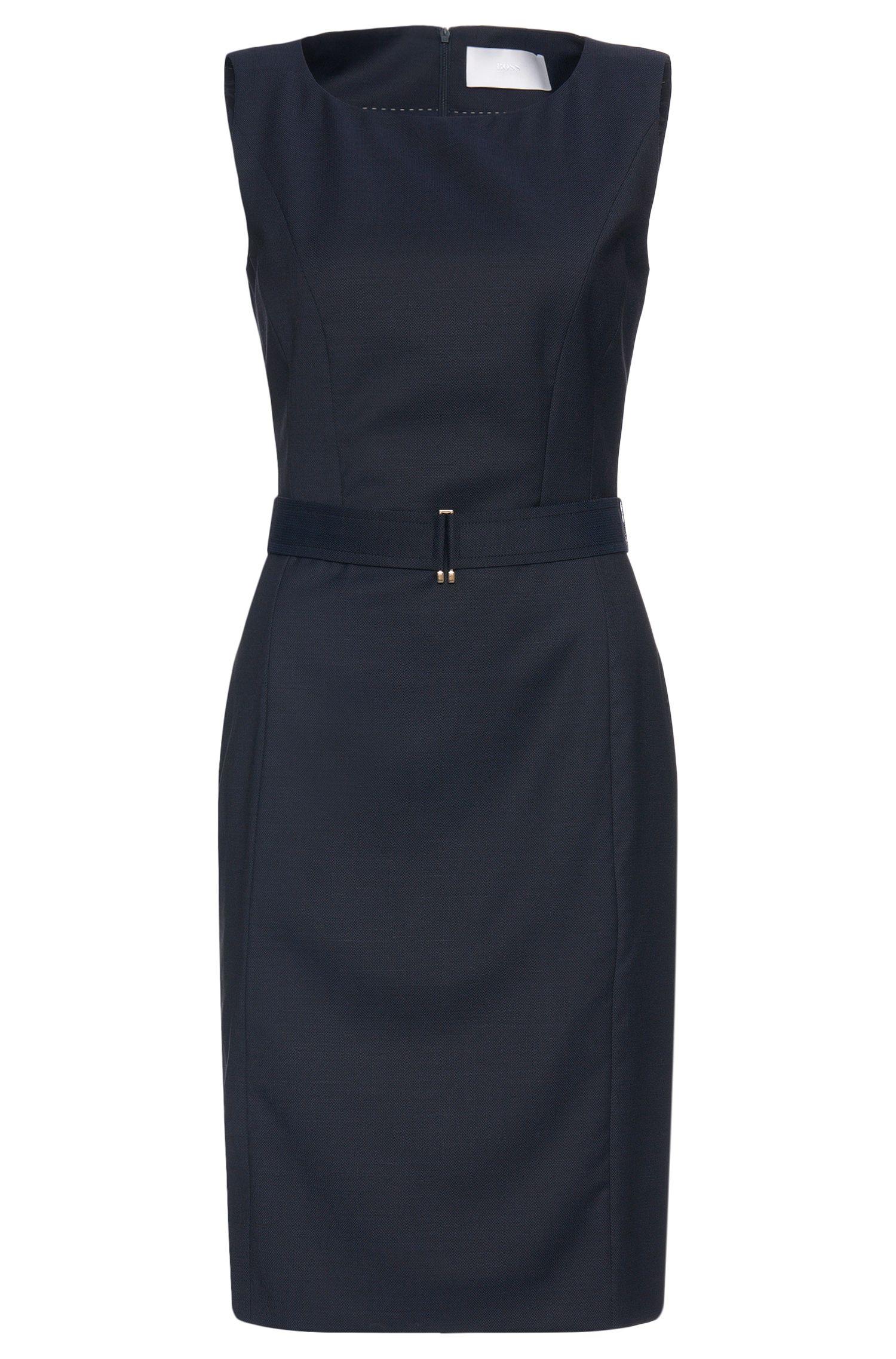 Etui-jurk van scheerwol met tailleceintuur: 'Dobina'