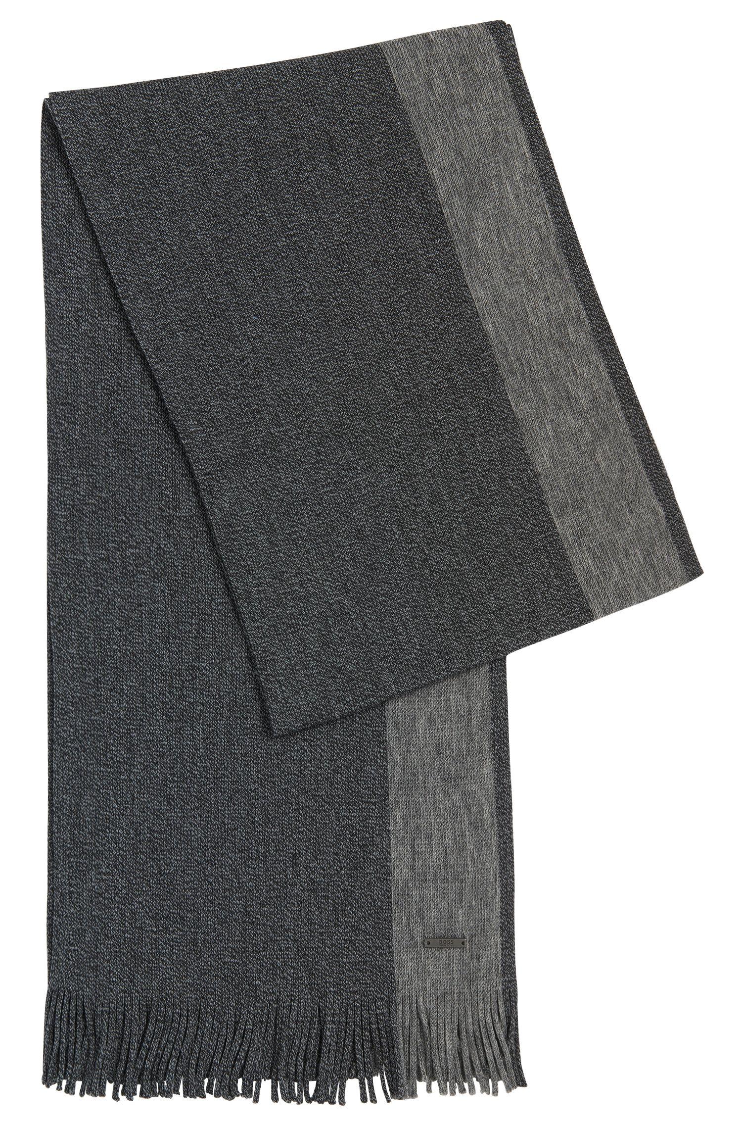 Sjaal van scheerwol met streepdetail: 'Fador'