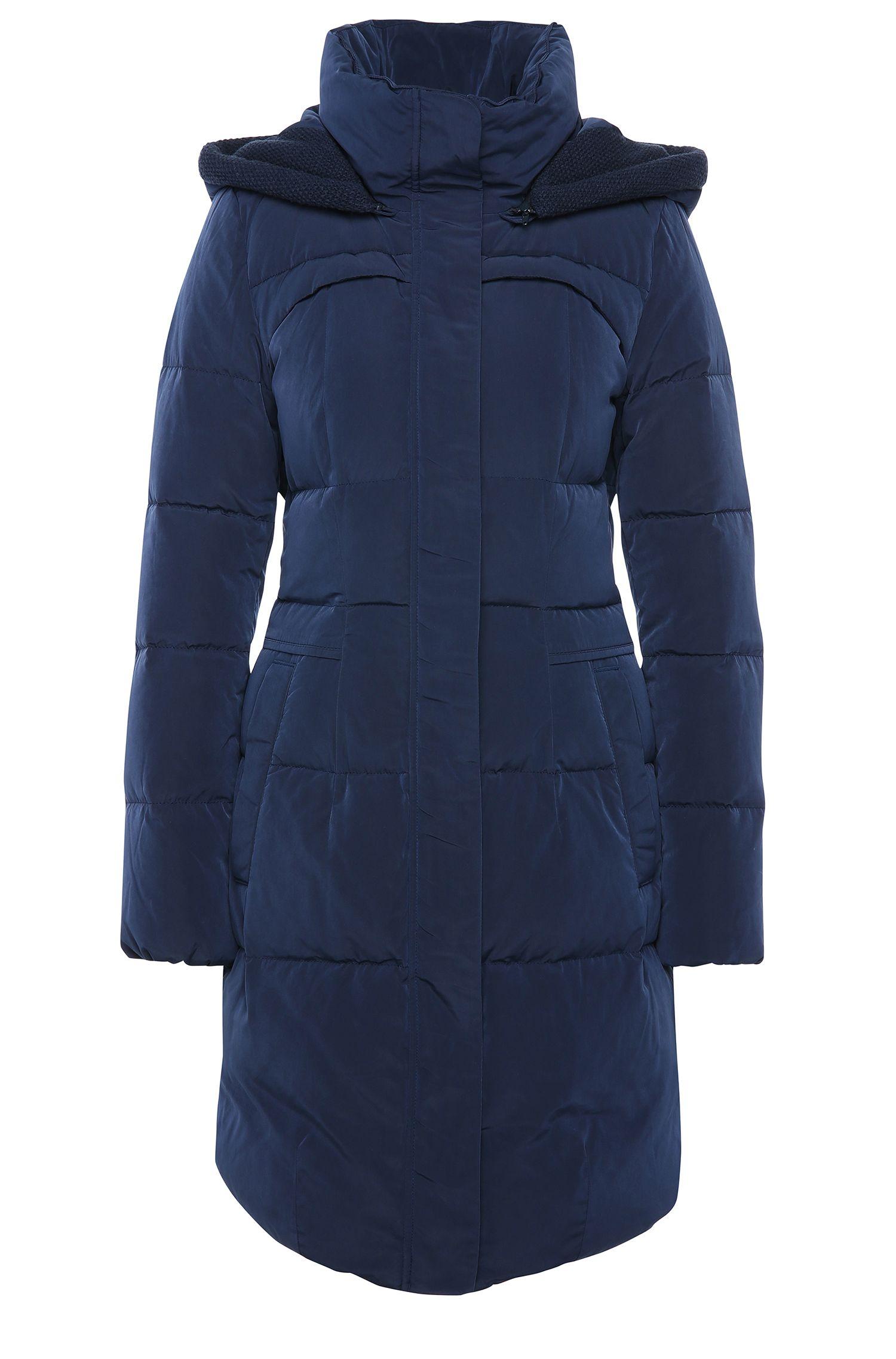 Abrigo guateado con capucha extraíble y corte entallado: 'Osenna'