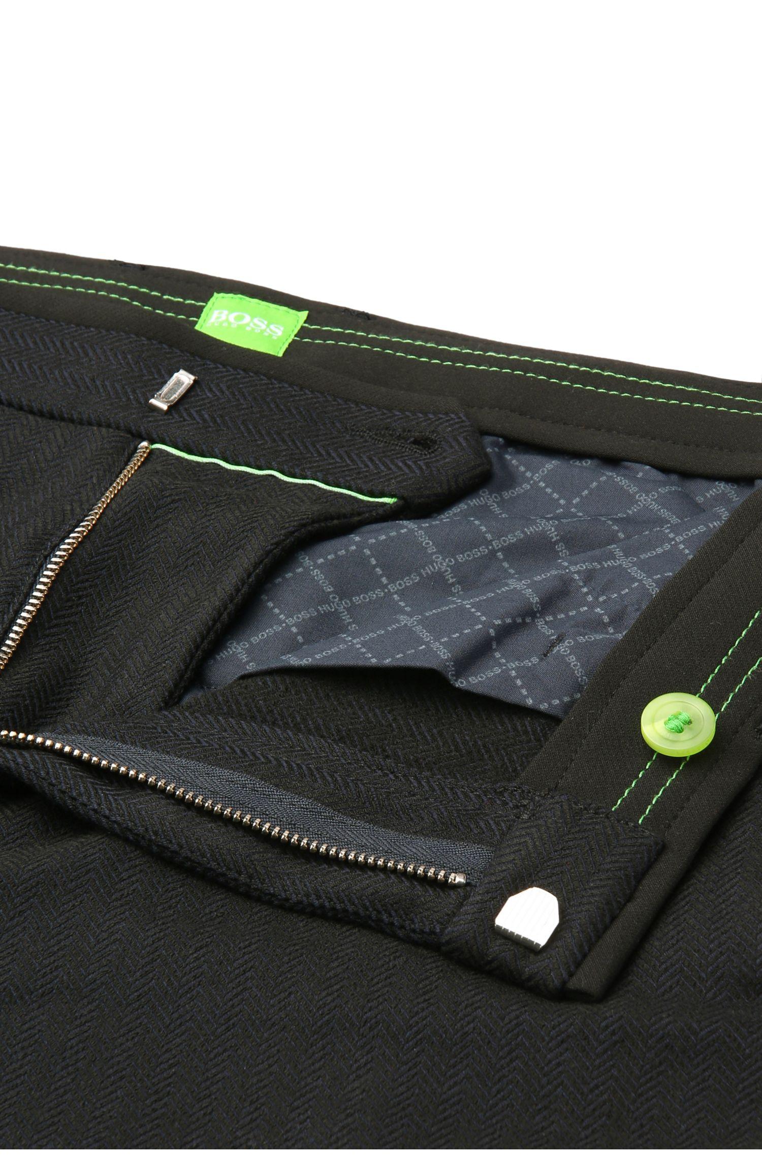 Pantalon Slim Fit pour femme en matières extensibles mélangées à de la viscose: «Loomes1»