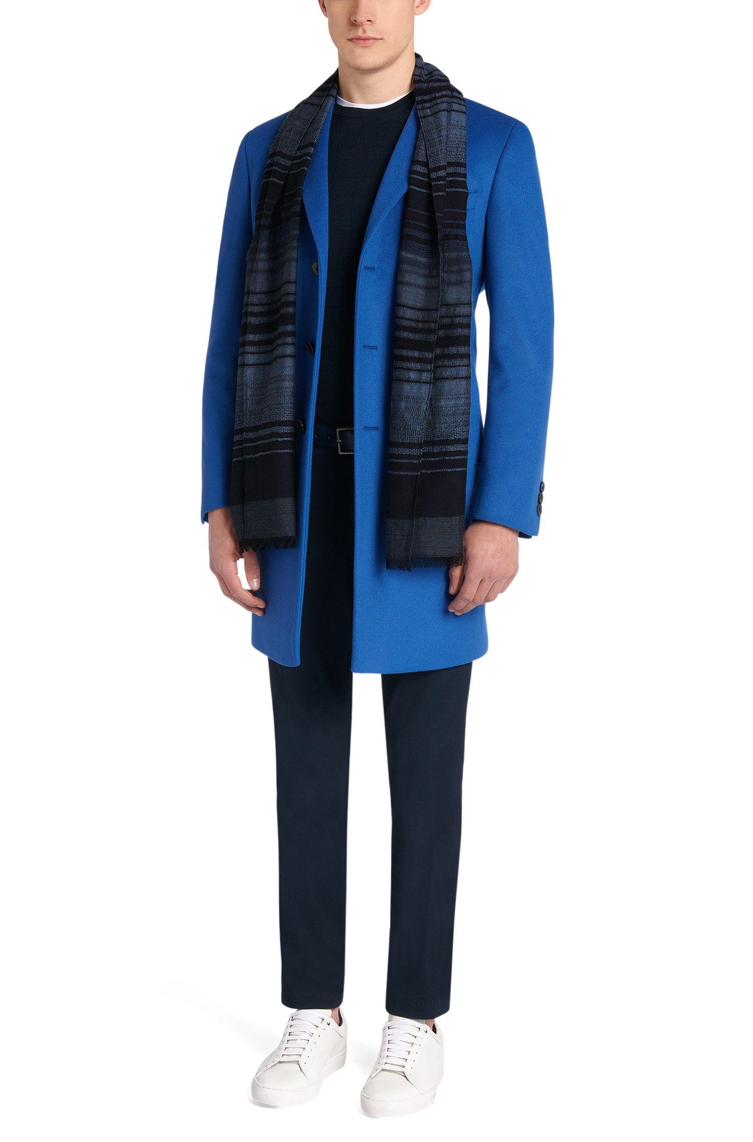 Écharpe à rayures confectionnée en laine vierge mélangée avec de la soie: «Cantos»