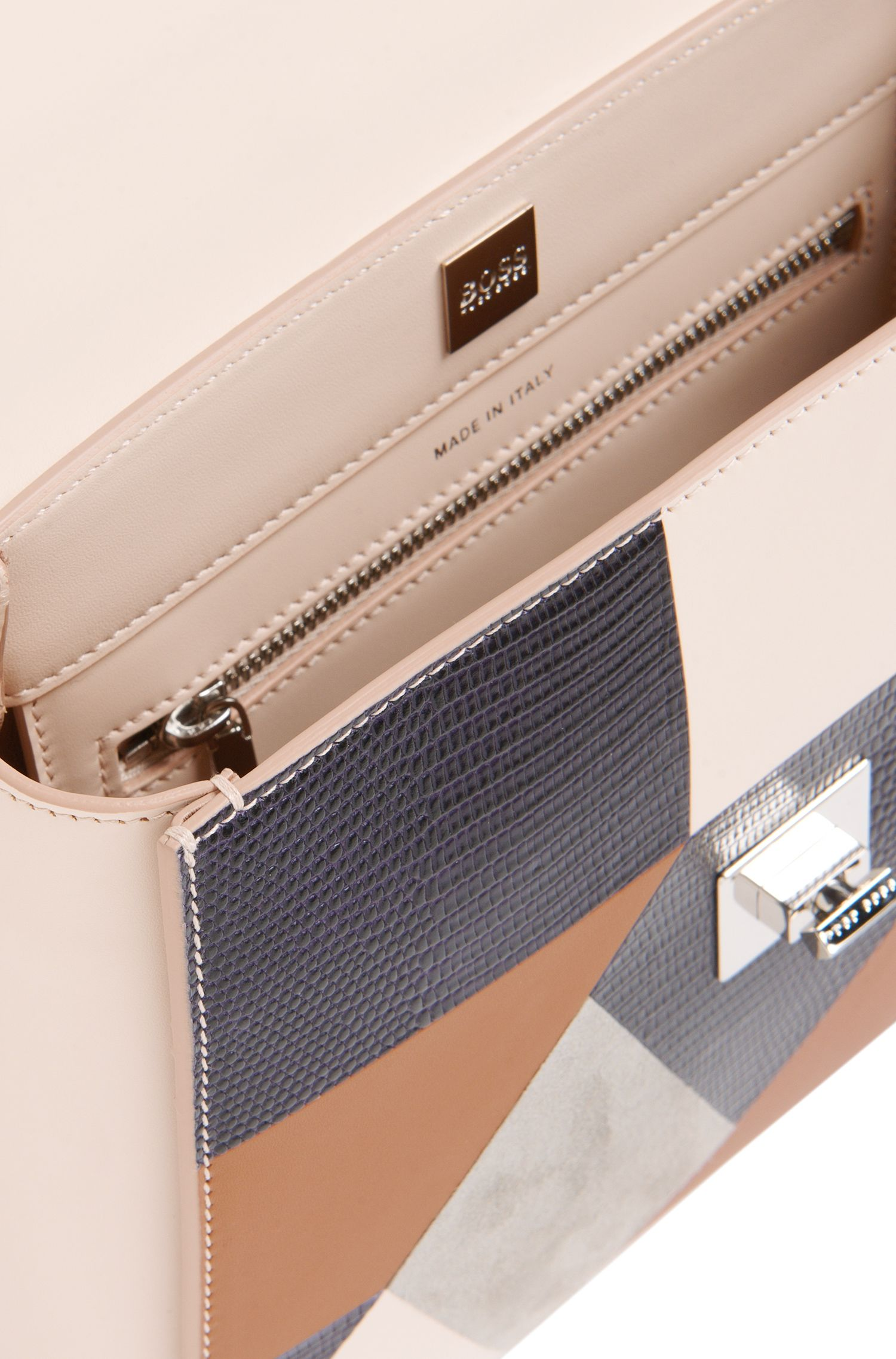 Petit sac à main BOSS Bespoke de l'Édition Runway en cuirs mélangés à effet patchwork.