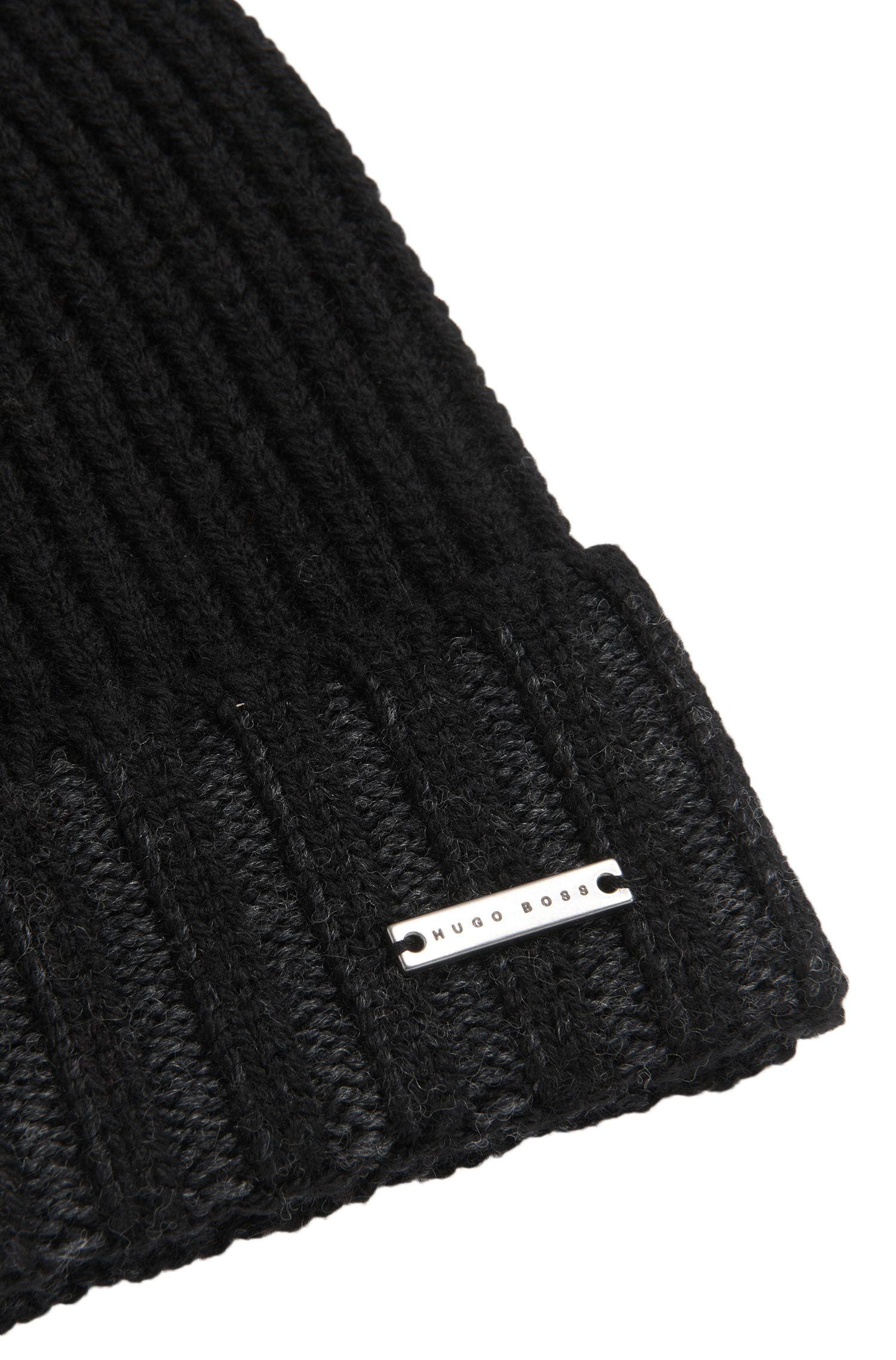 Bonnet en laine vierge à revers bicolore: «Fati_D»
