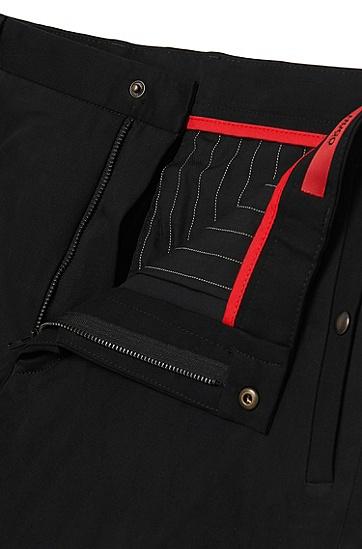 Tapered-Fit Hose aus Stretch-Baumwolle mit Bügelfalten: 'Hary', Schwarz