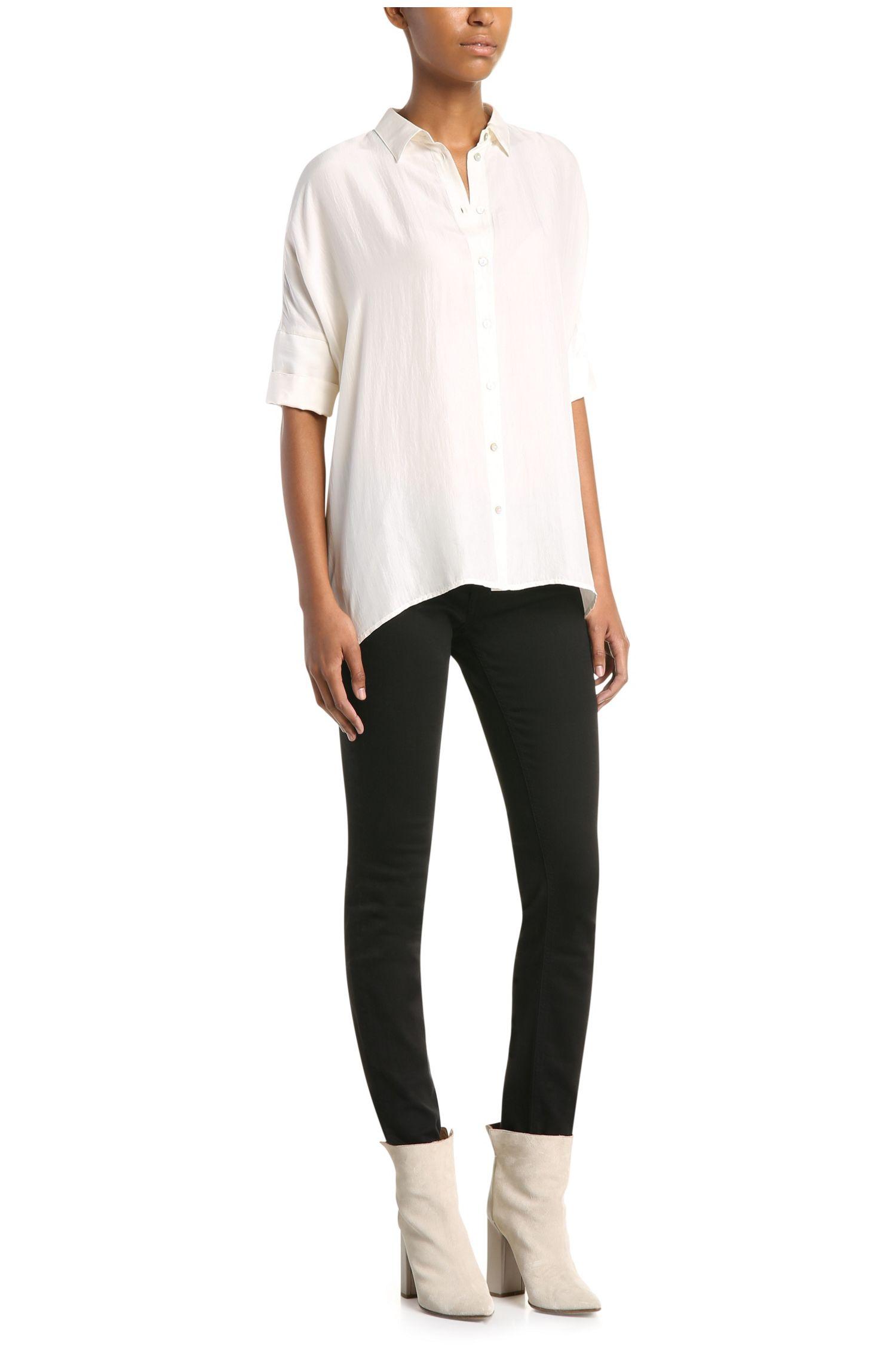Wijde blouse van zijde: 'Clen'