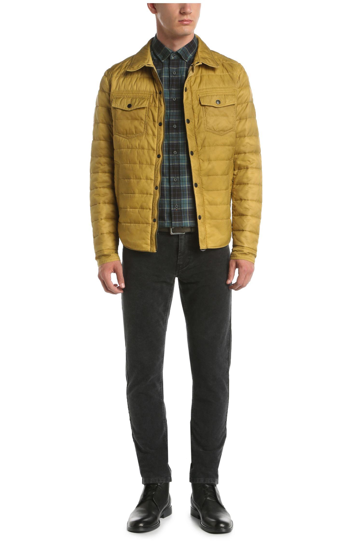 Gewatteerde regular-fit jas van een gestructureerde materiaalmix: 'Owilder-D'