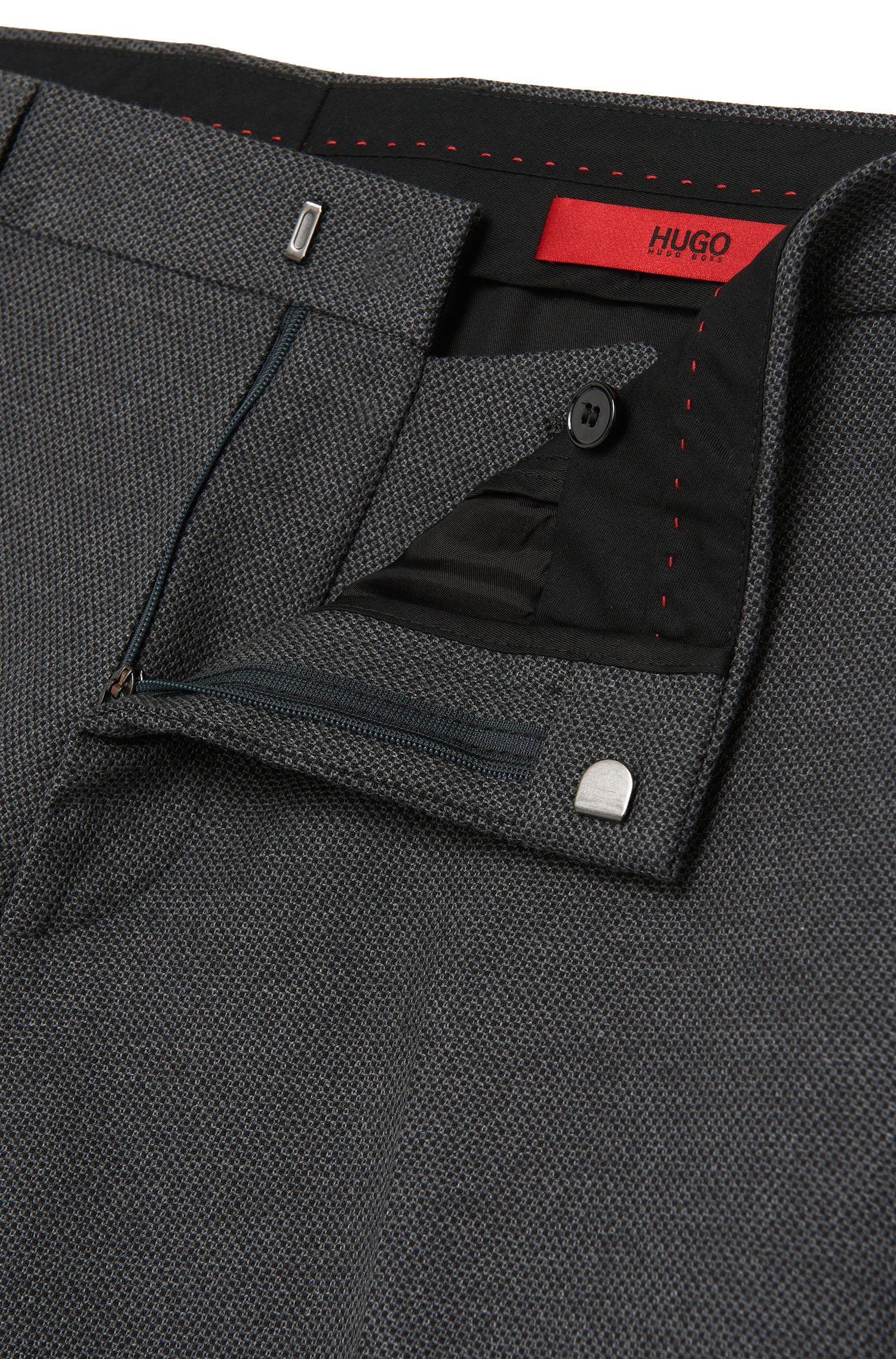 Fein gemusterte Slim-Fit Hose aus Stretch-Baumwolle: 'Harwen'