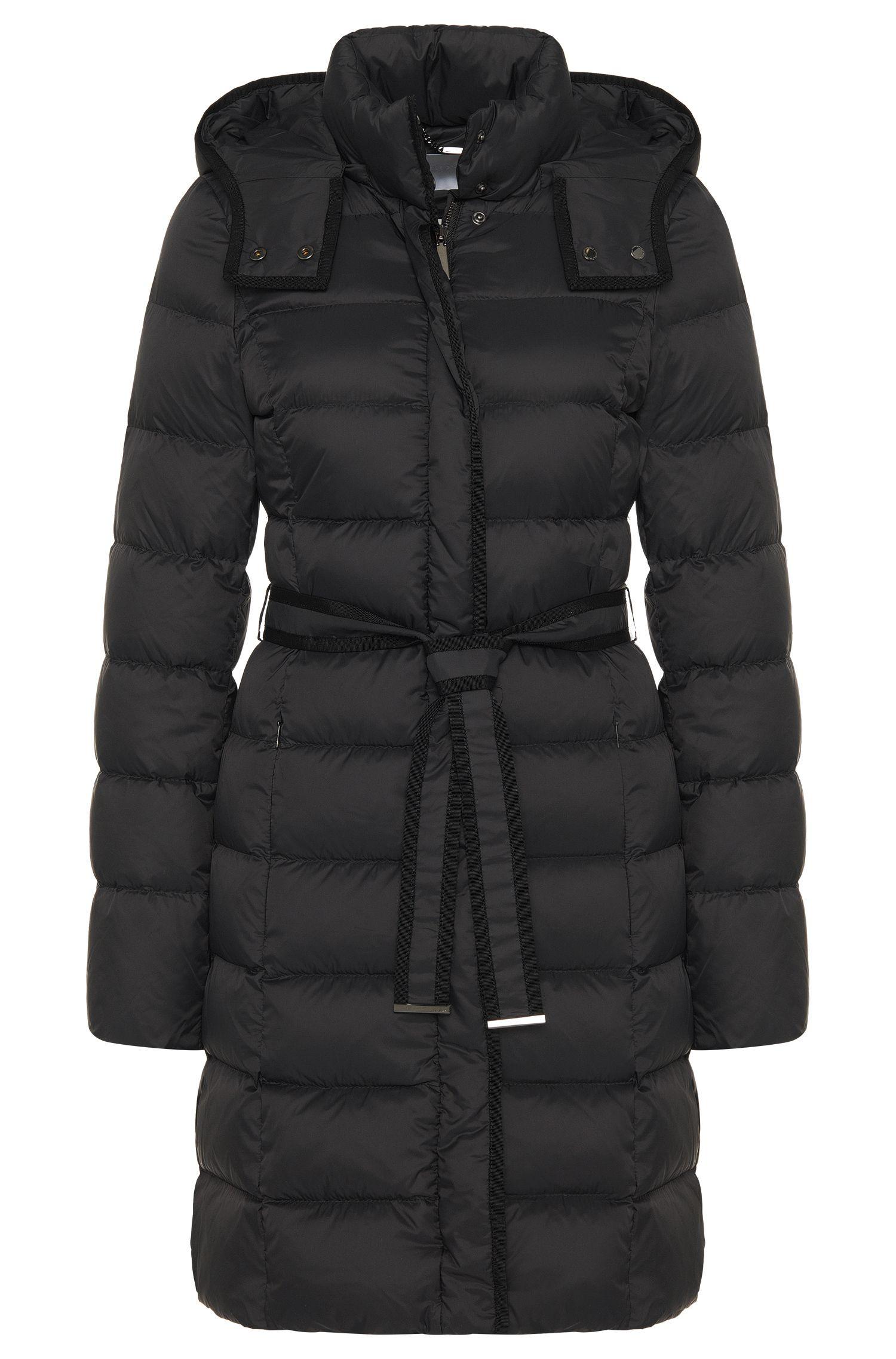 Abrigo guateado con relleno de plumón y cinturón de anudar: 'Pavina'