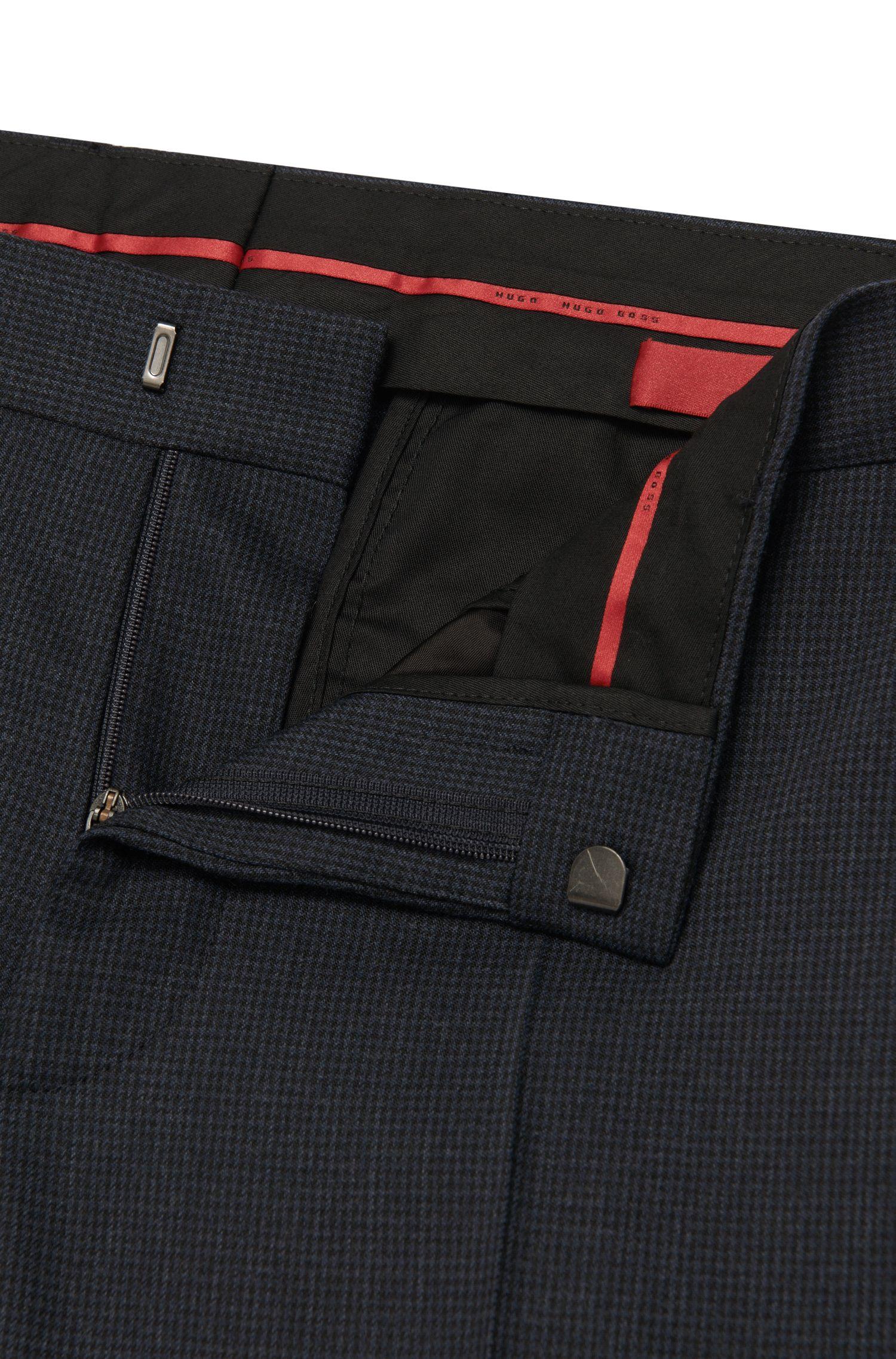 Pantalon Slim Fit en laine mélangée extensible à motif fin: «C-Genesis»