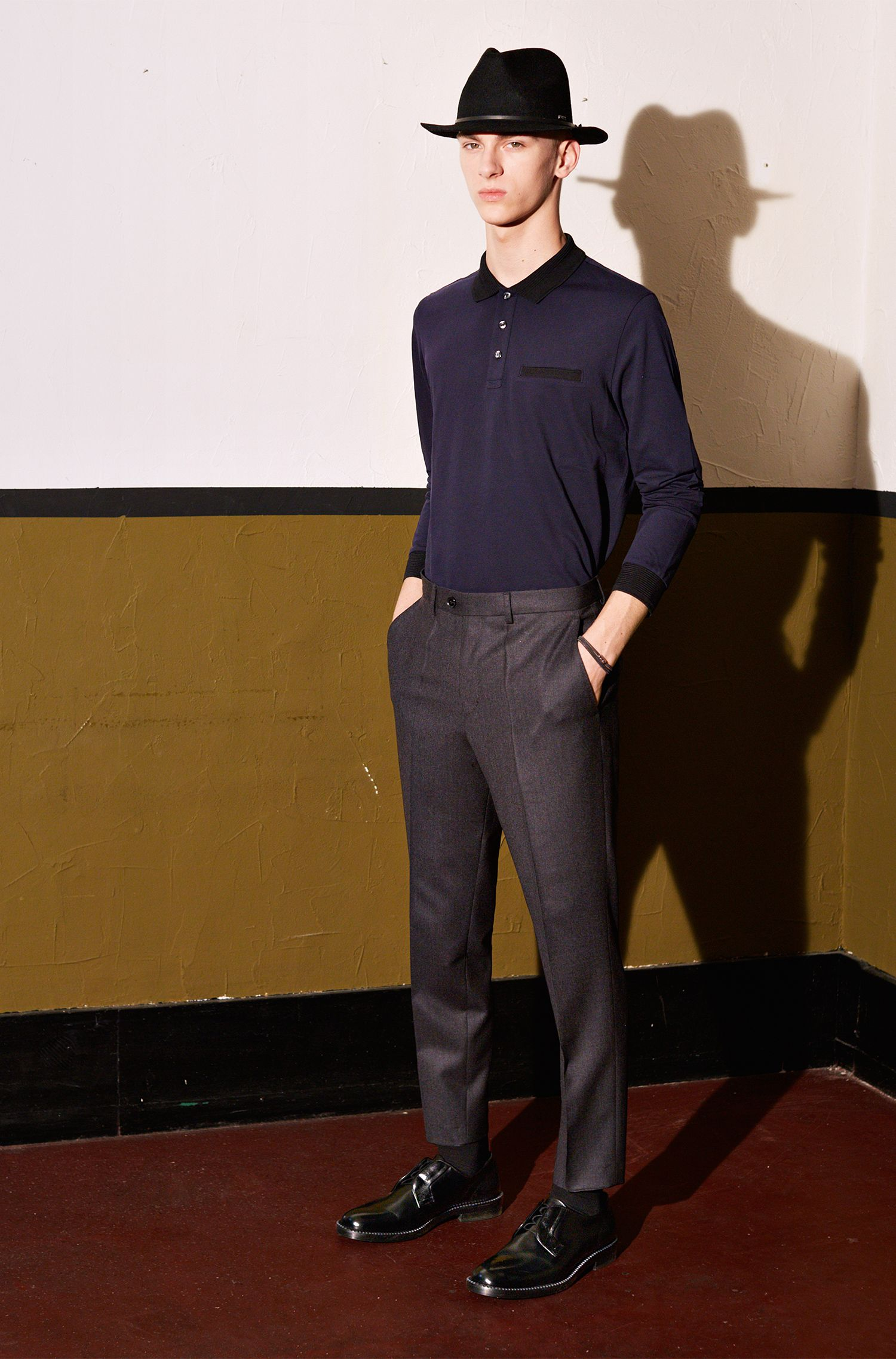 Pantalon Tapered Fit en pure laine vierge finement chinée: «Hening»