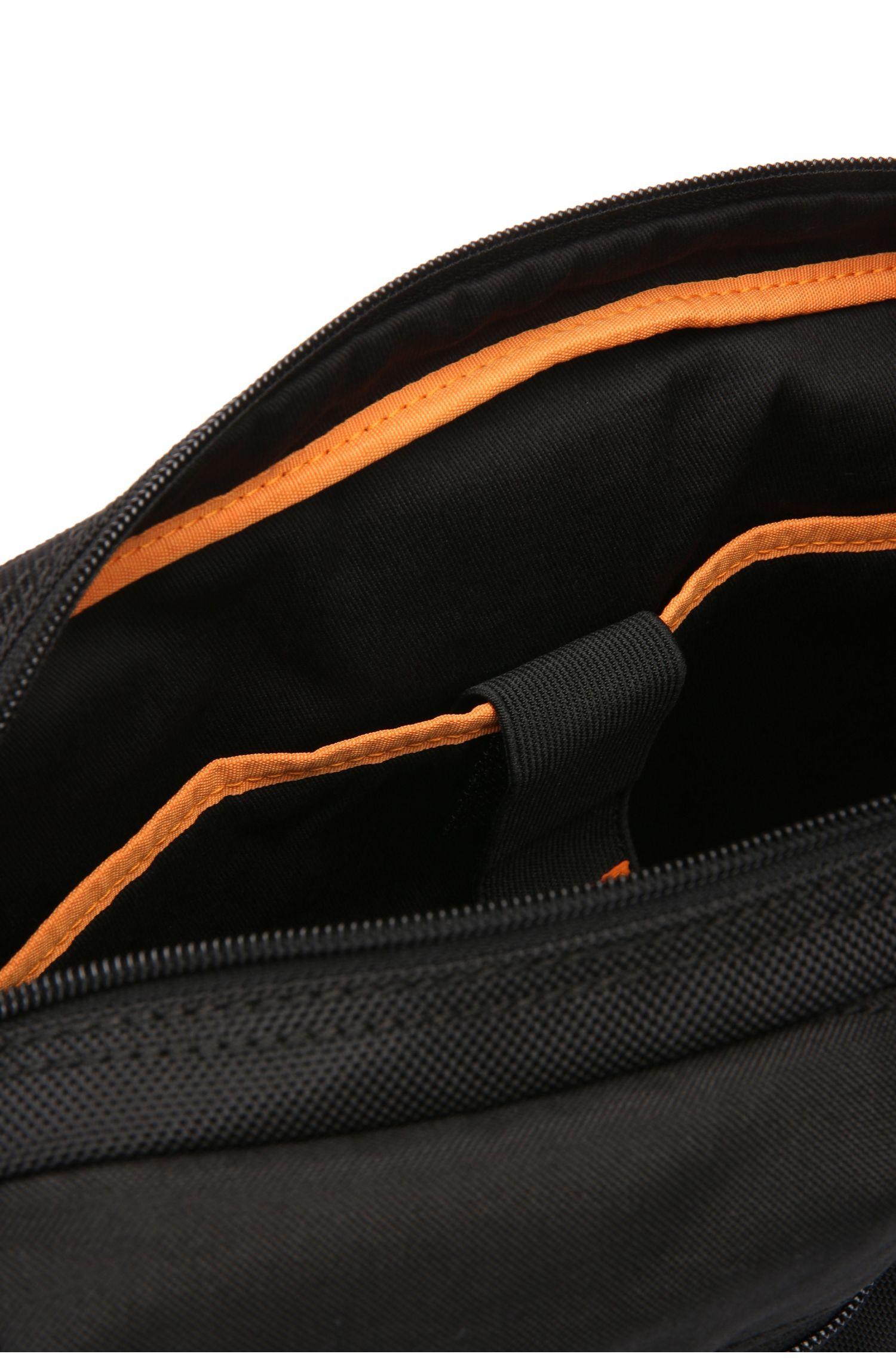 Sac coursier en nylon structuré: «Saturn_Mess zip»