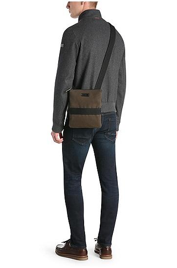 Pouch aus Canvas mit Leder: ´Adventure_S zip env`, Dunkelgrün