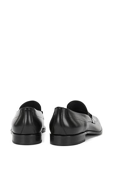 Loafer aus Leder mit feinem Lochmuster: 'Chelsea_Loaf_ltap', Schwarz