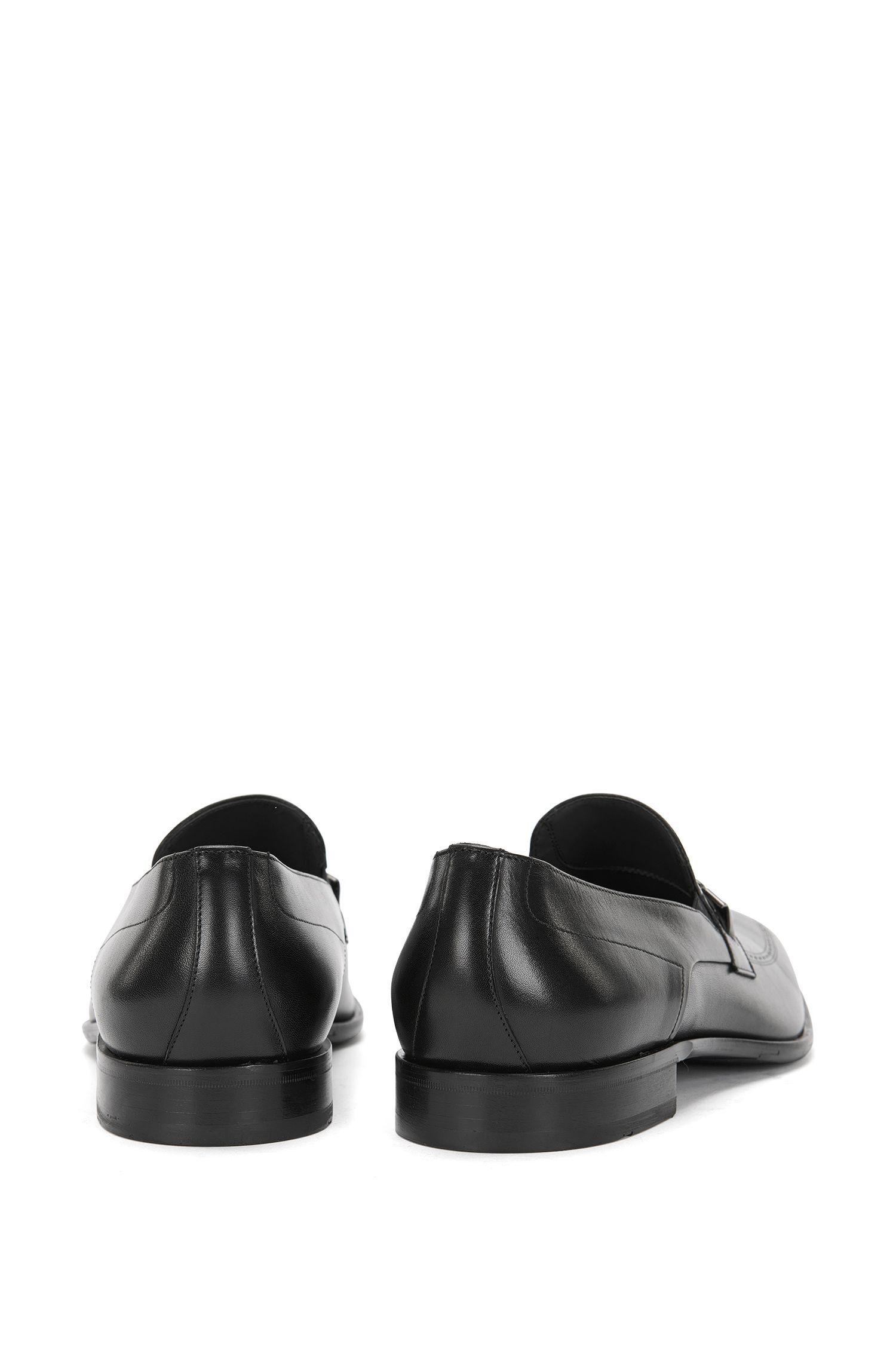 Mocassins en cuir ornés d'un fin motif ajouré: «Chelsea_Loaf_ltap»