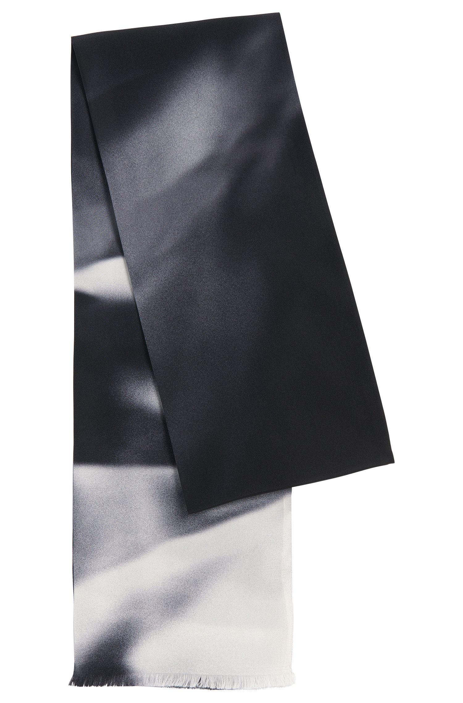 Écharpe en soie ornée d'un dégradé de couleurs: «Scarf cm 180x17»