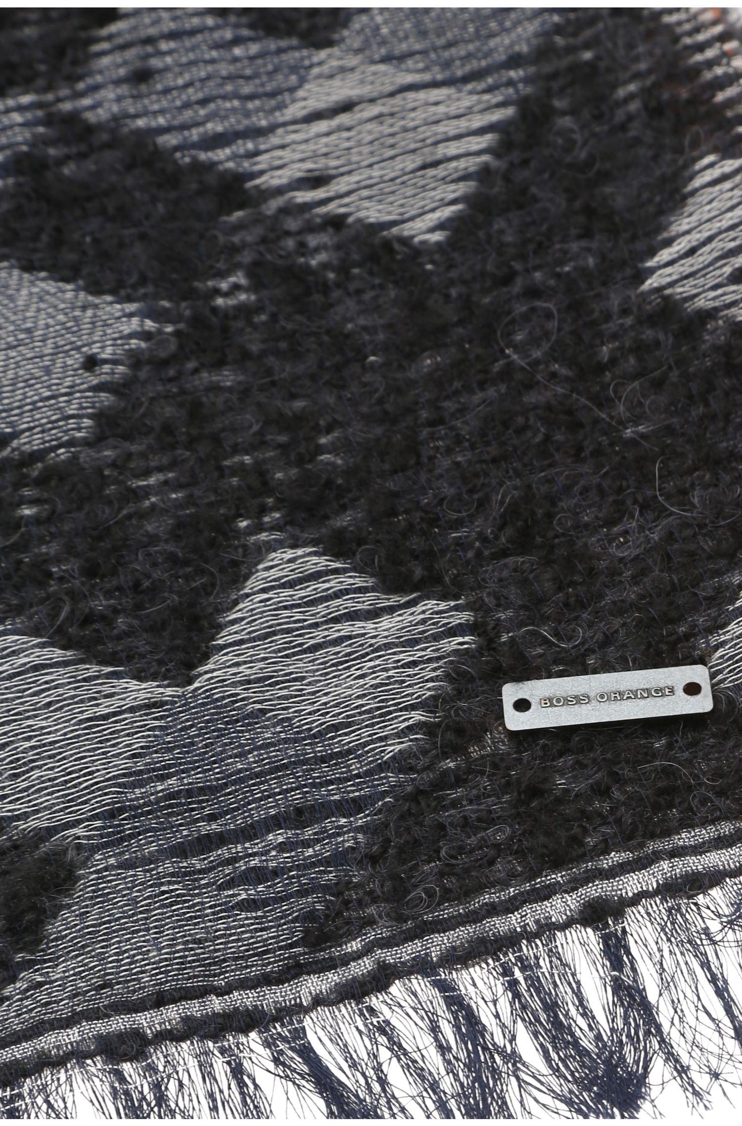 Écharpe en mélange de matières avec du coton, de l'alpaga et de la laine vierge: «Nic»