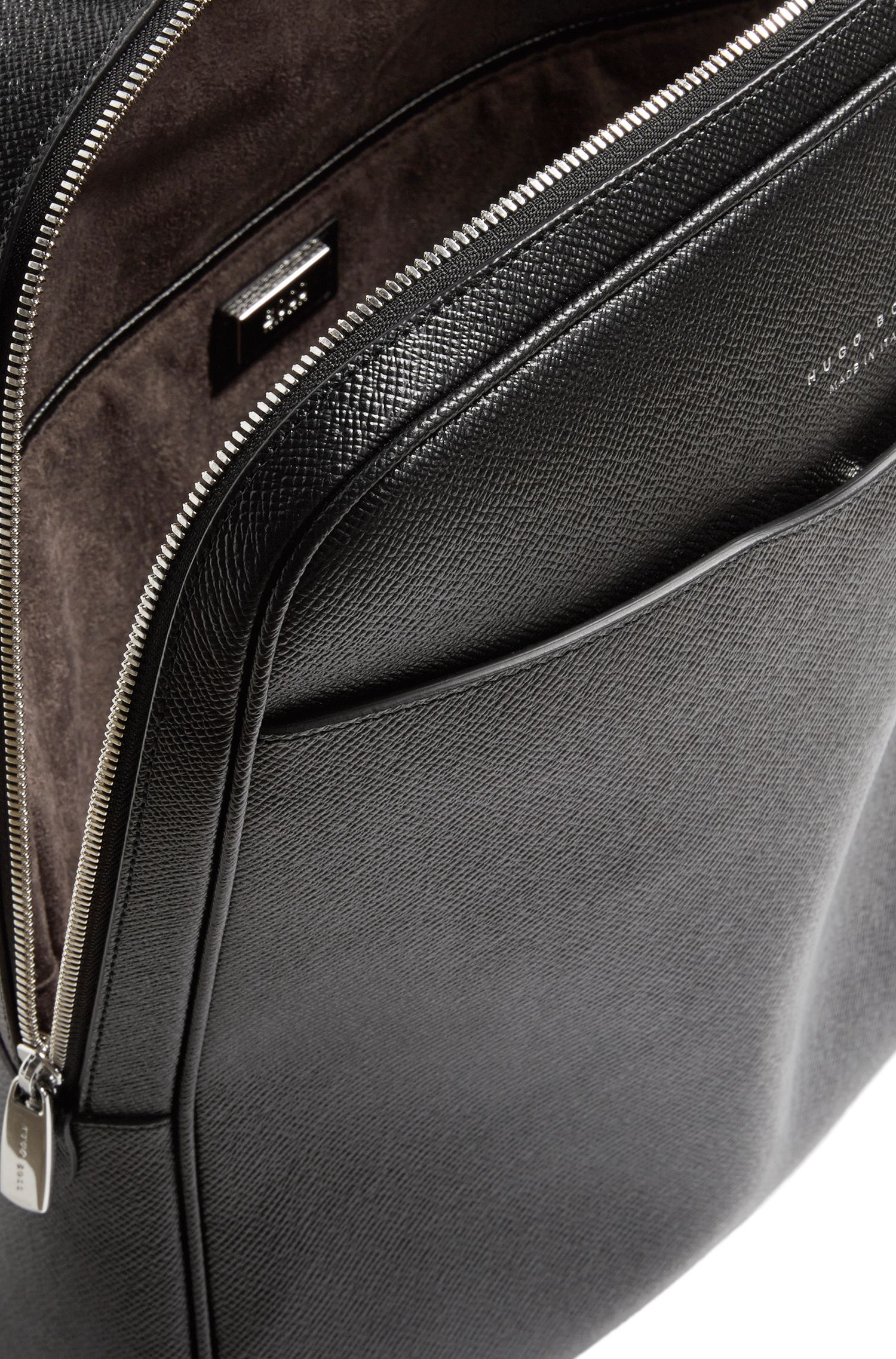 Sac à dos en cuir grené : « Signature_Backpack »
