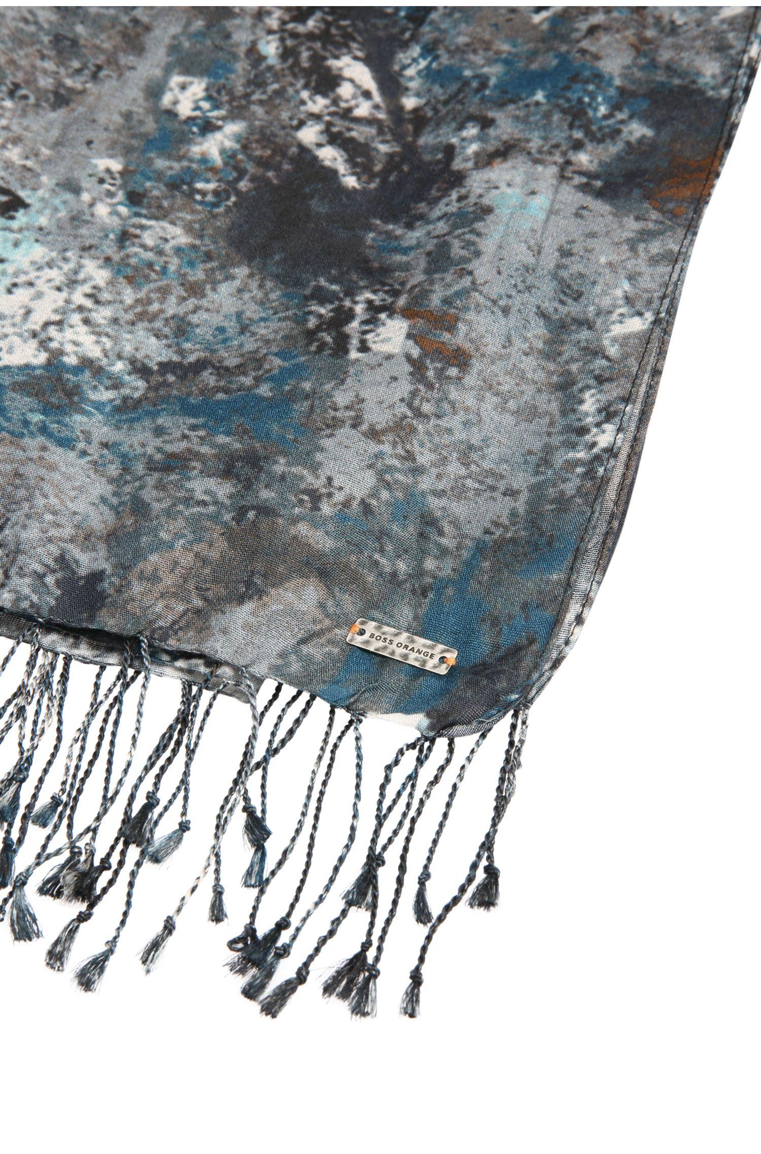 Bedrukte sjaal van een viscosemix met zijde: 'Narctica'