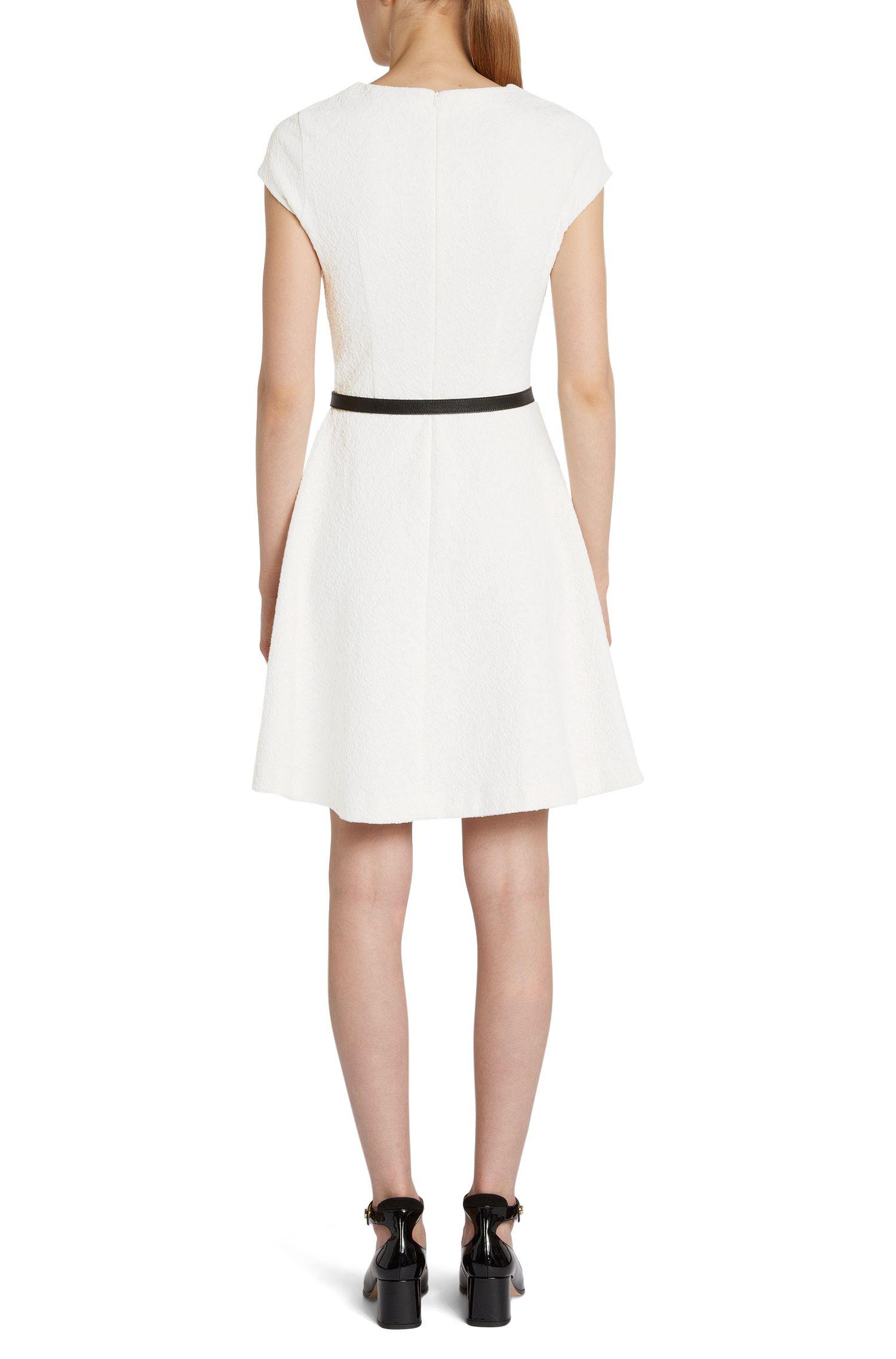 Unifarbenes Kleid mit aufgewebtem Muster: 'Daline'