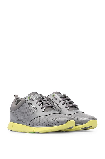 Sneakers im Material-Mix mit Perforation: ´Gym_Runn_ltpf`, Hellgrau