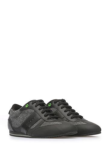 Sneakers aus einem Material-Mix mit Leder und Textil: ´Lighter_Lowp_cohr`, Schwarz