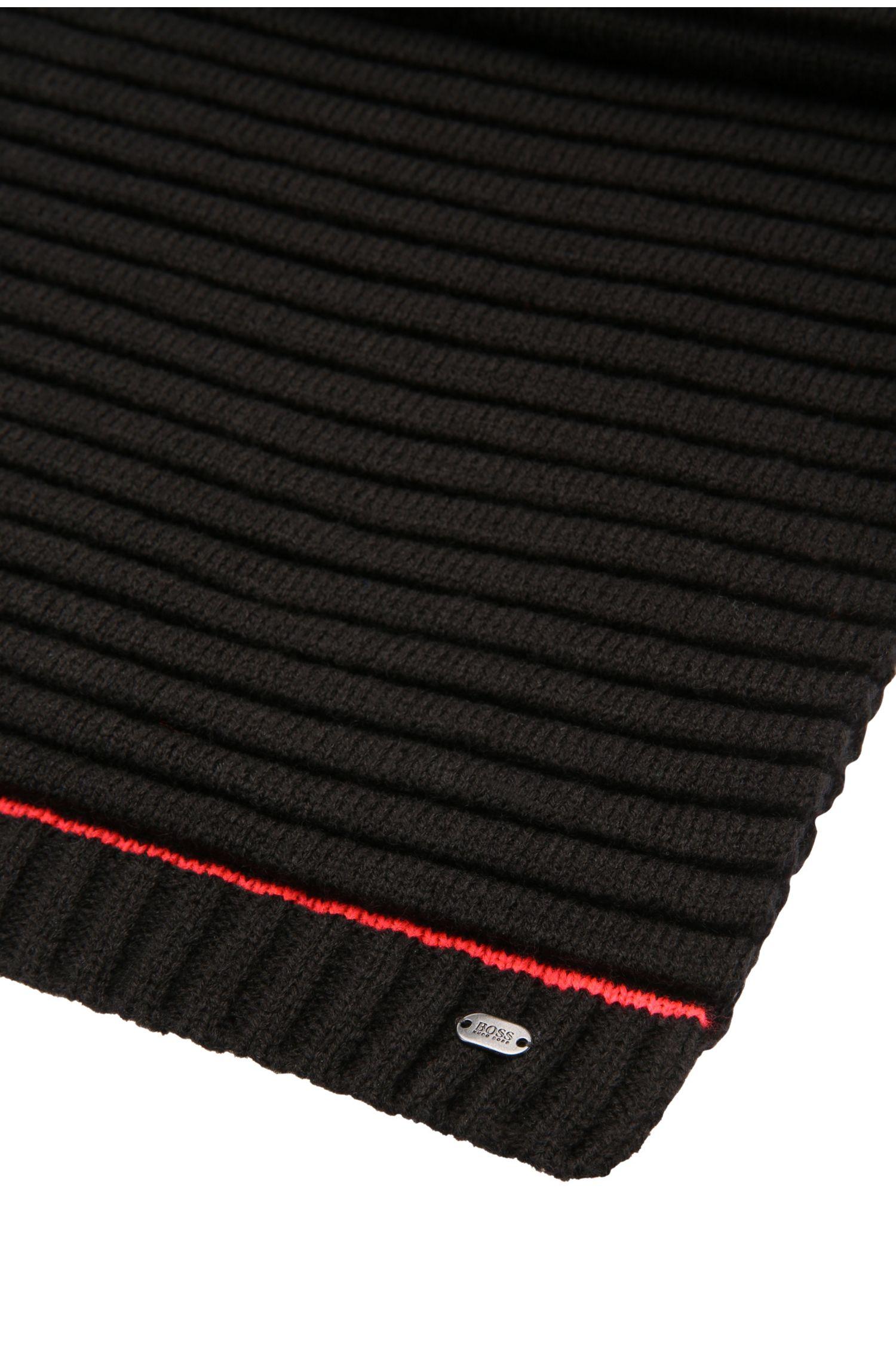 Gebreide sjaal van een materiaalmix met wol: 'Smock-Scarf'