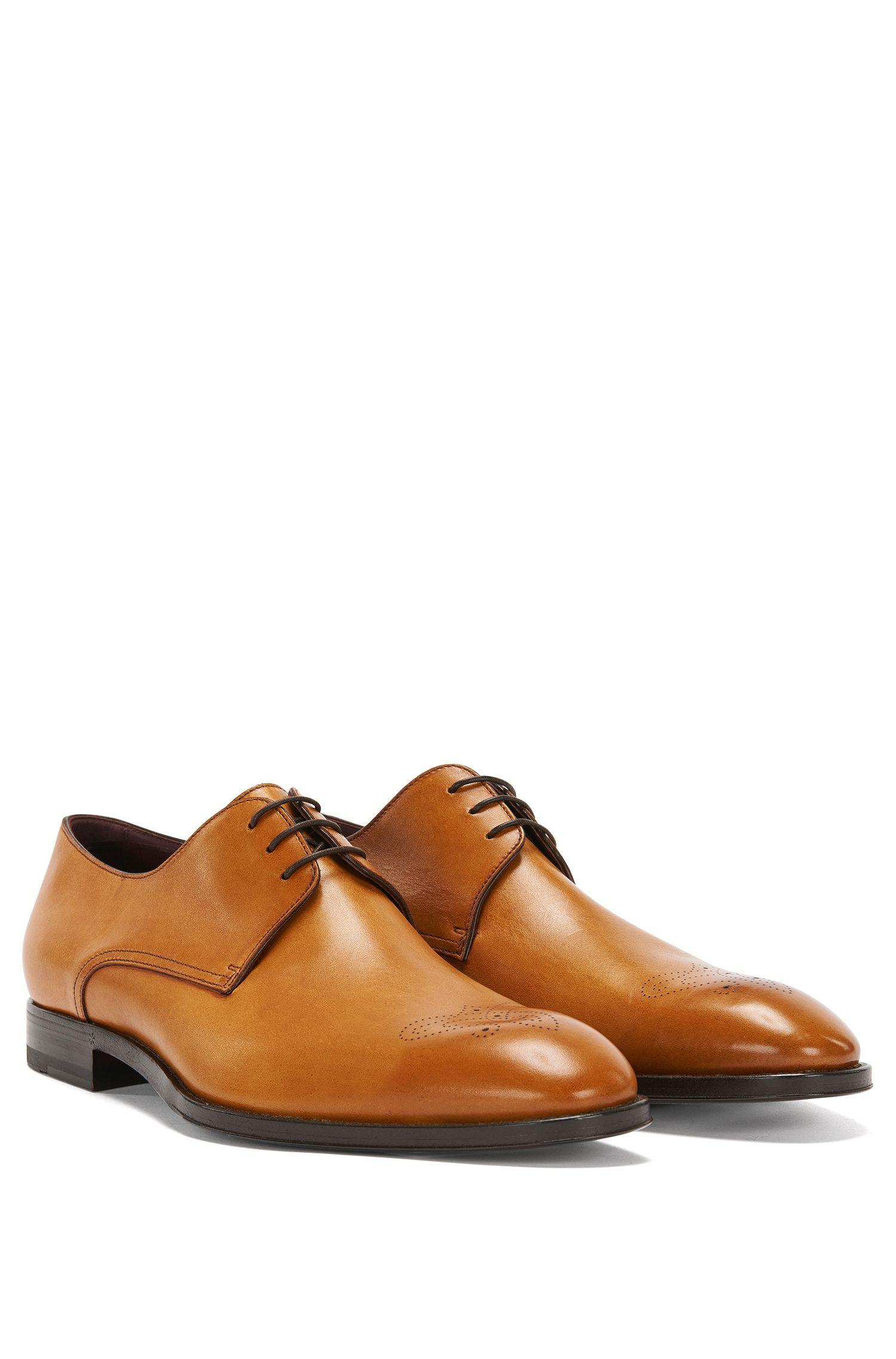 Tailored Schnürschuhe aus Leder mit Lochmuster: 'T-Legend_Derb_ltls'