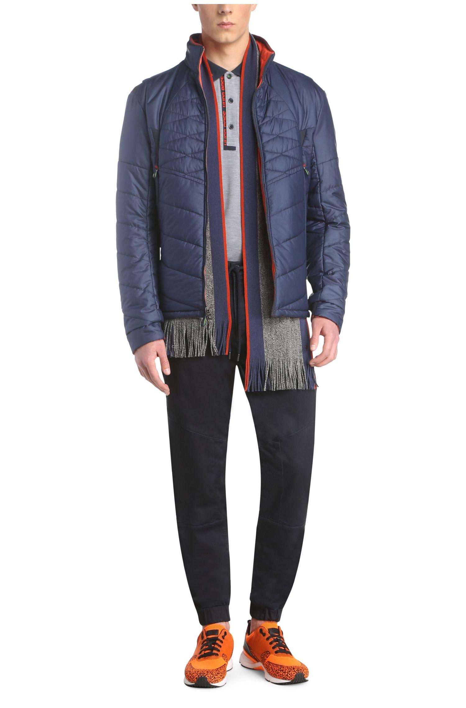 Écharpe à maille fine en laine vierge, pourvue de franges: «C-Fado 2»