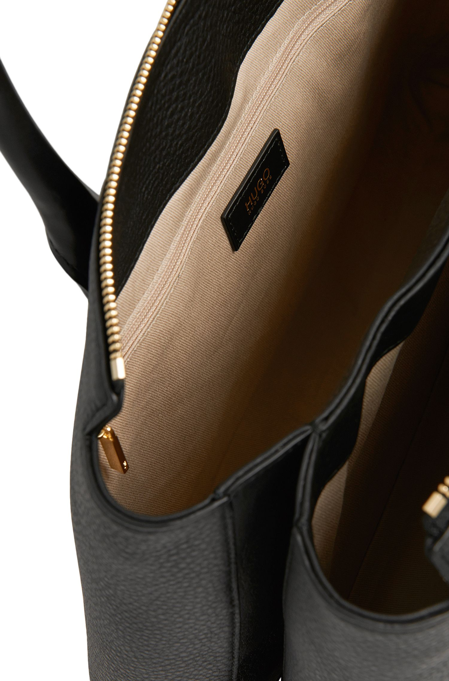 Cabas en cuir uni orné de différentes structures: «Gisah-M»