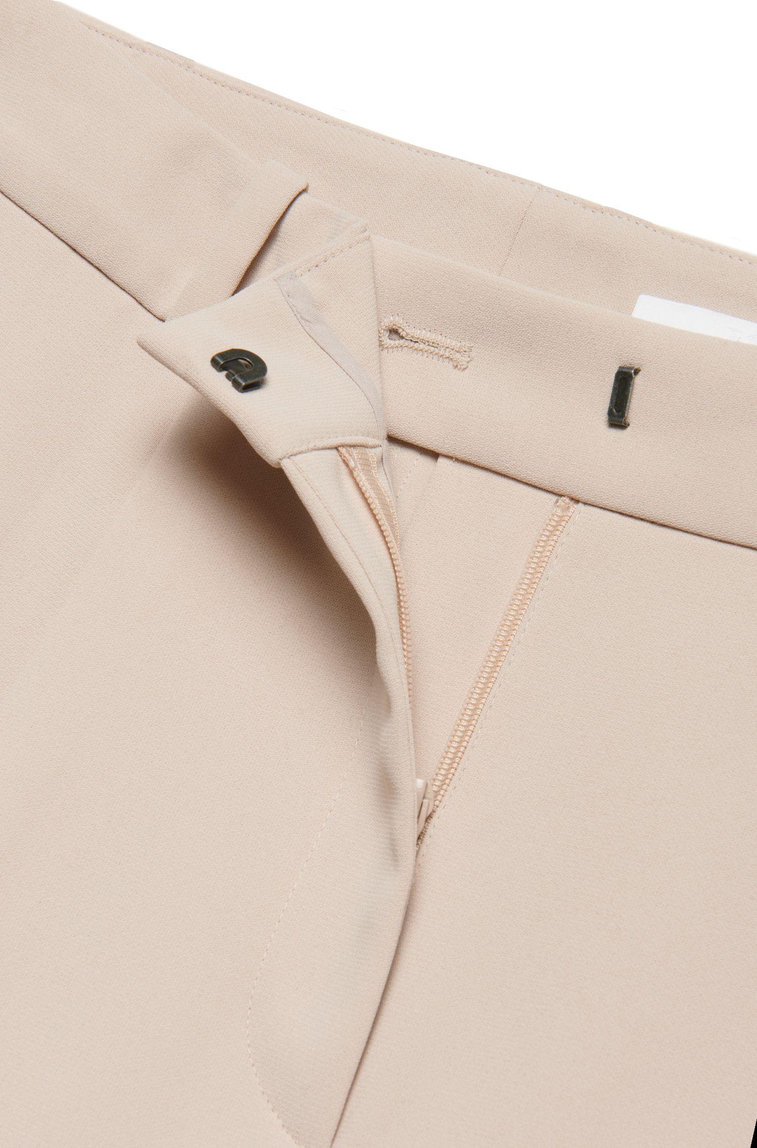 Relaxed-Fit Hose mit Bügelfalten: 'Arula'