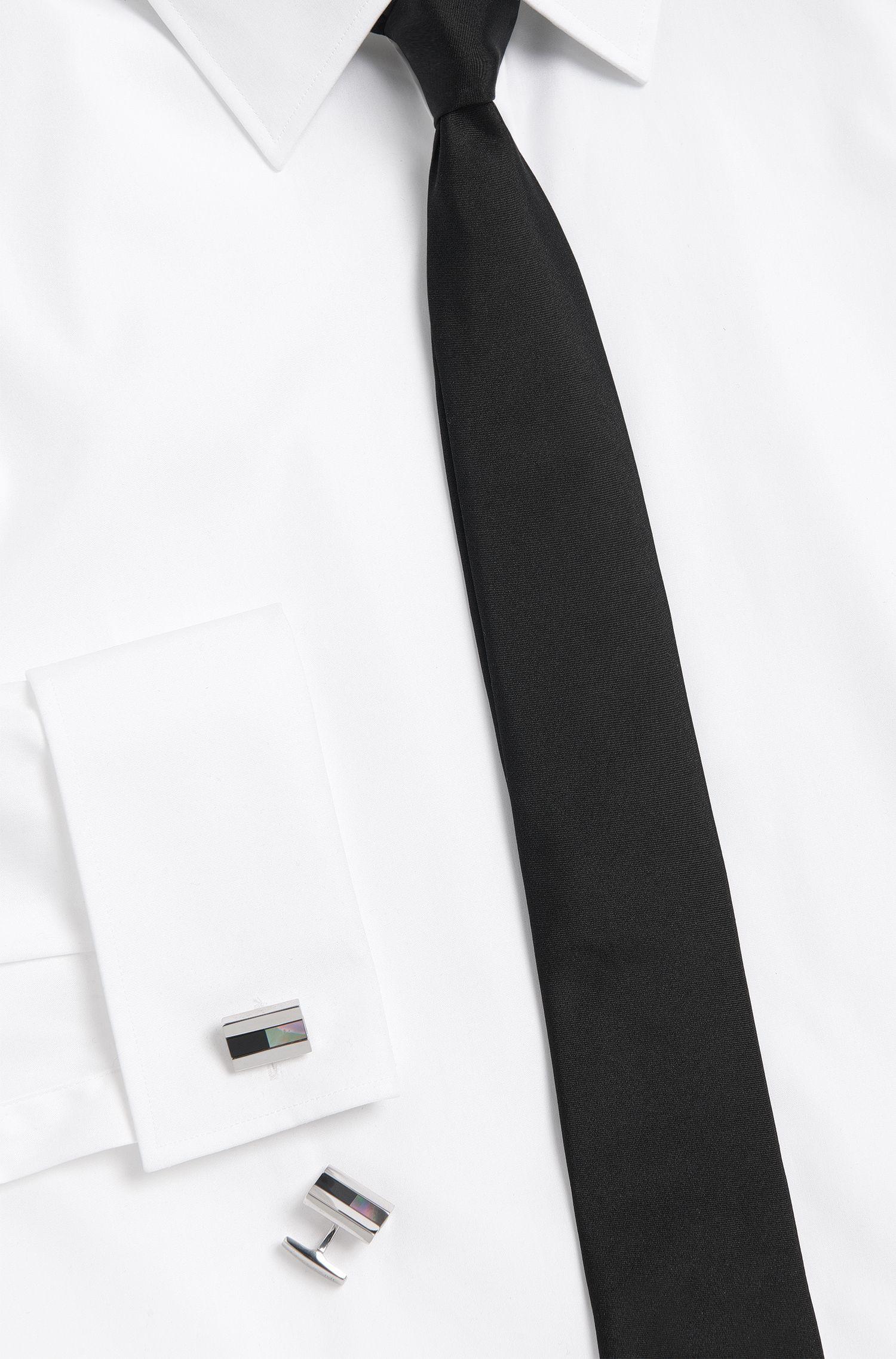 Tailored Manschettenknöpfe aus Messing mit Perlmutt- und Onyx-Details: 'T-Johann'