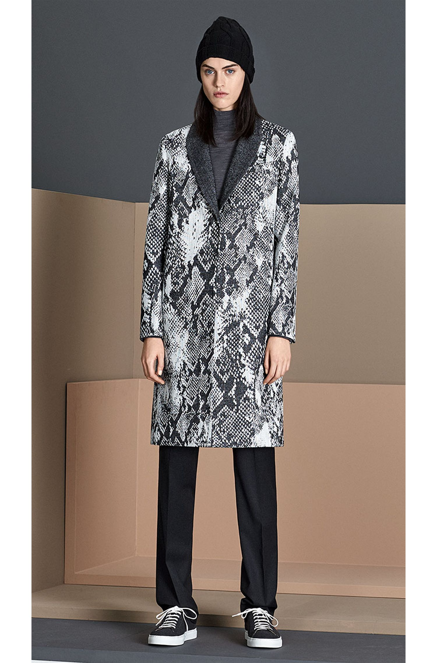 Pantalon Standard Fit en laine verge extensible: «Tamea1»