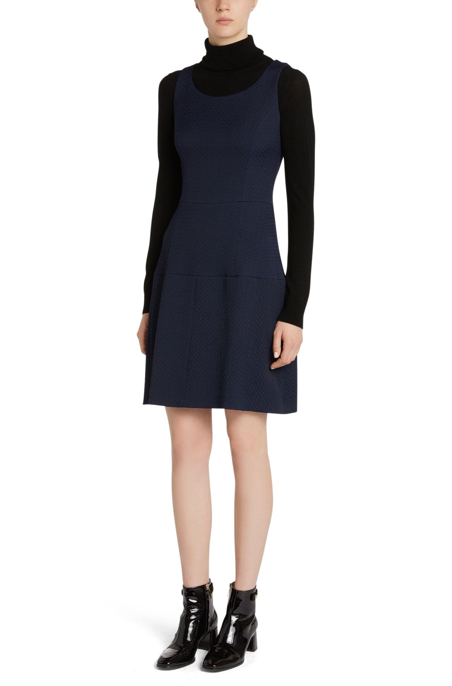Tailliertes Kleid aus Baumwoll-Mix mit feiner Struktur: 'Kine-1'