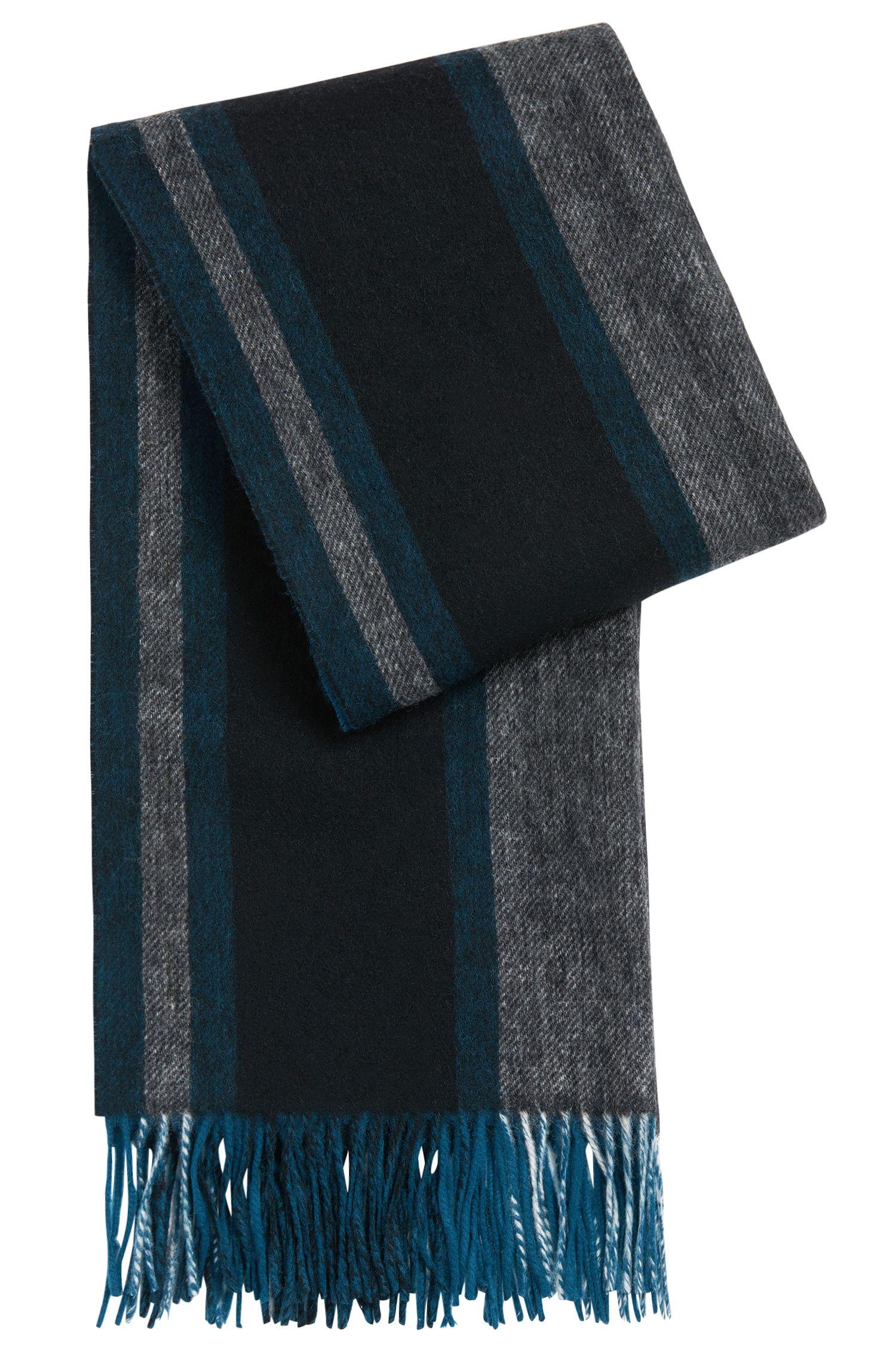 Écharpe rayée en laine vierge mélangée à du cachemire: «Lemona»