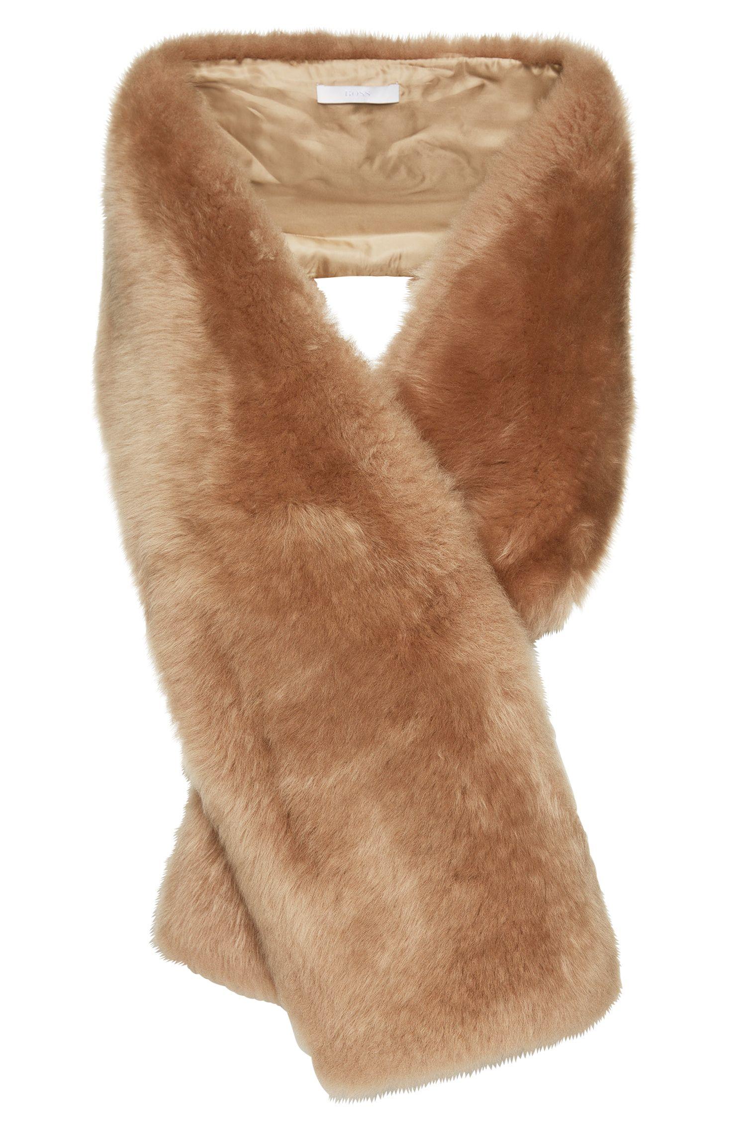 Lambskin scarf with slash pocket: 'Scapie'