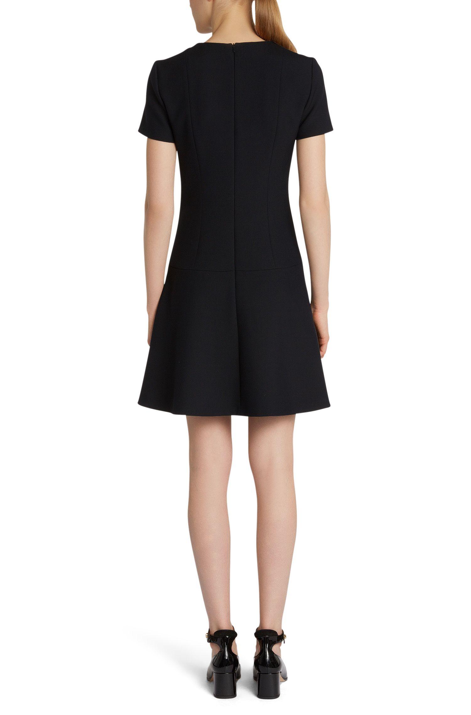 Unifarbenes Kleid mit herabgesetzter Taille: 'Kiril'