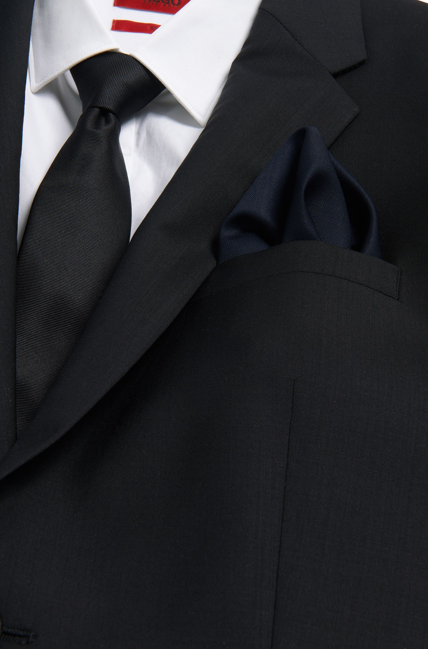 Pochet van wol met contrastkleurige randen: 'Pocketsquare 33x33cm'