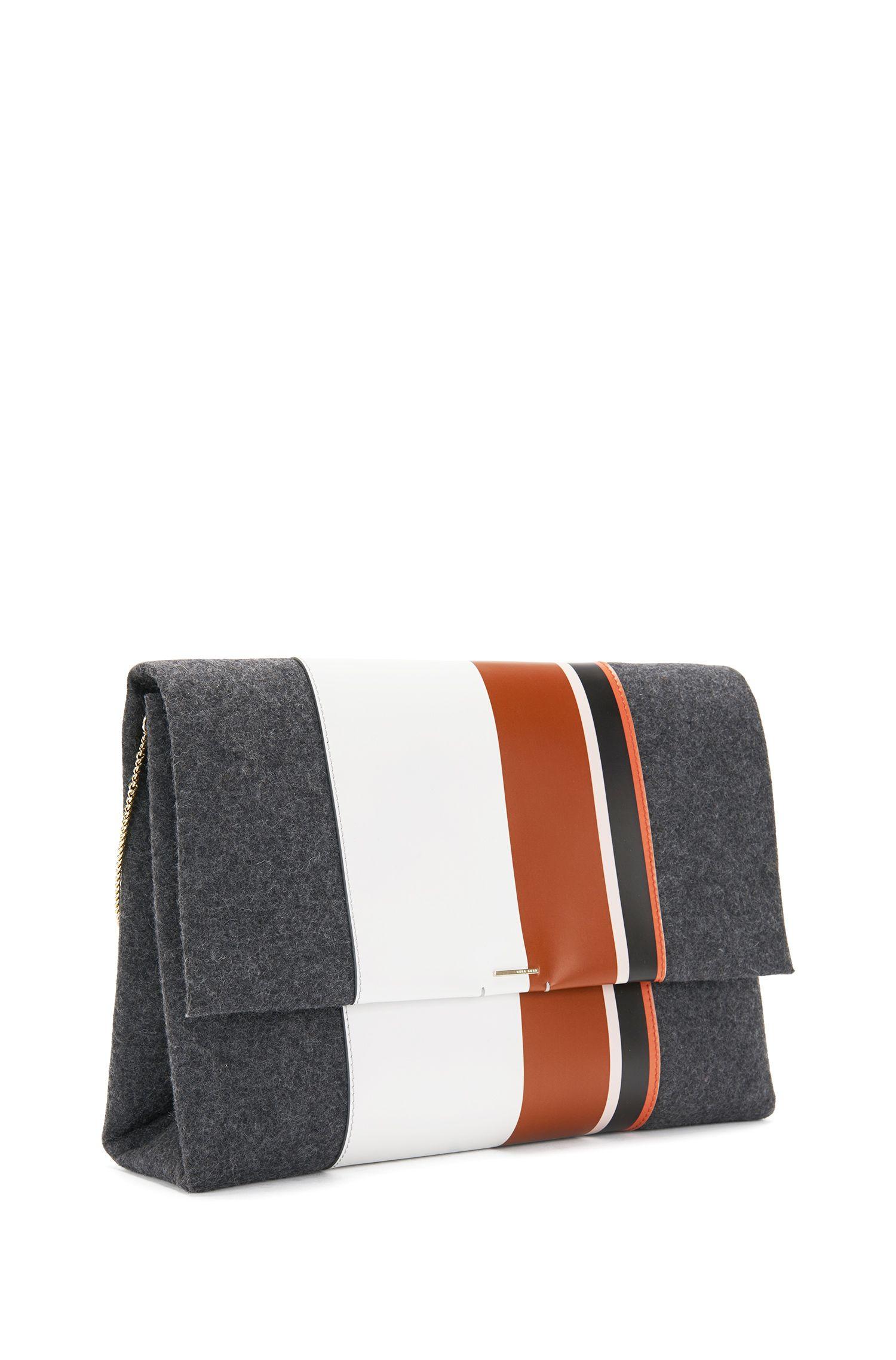 Clutch aus Filz mit Lederbesatz: 'Luxury Staple C-PF'