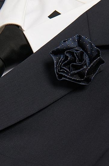 Anstecknadel aus Messing mit Seidenblüte: 'Silk brooch', Blau