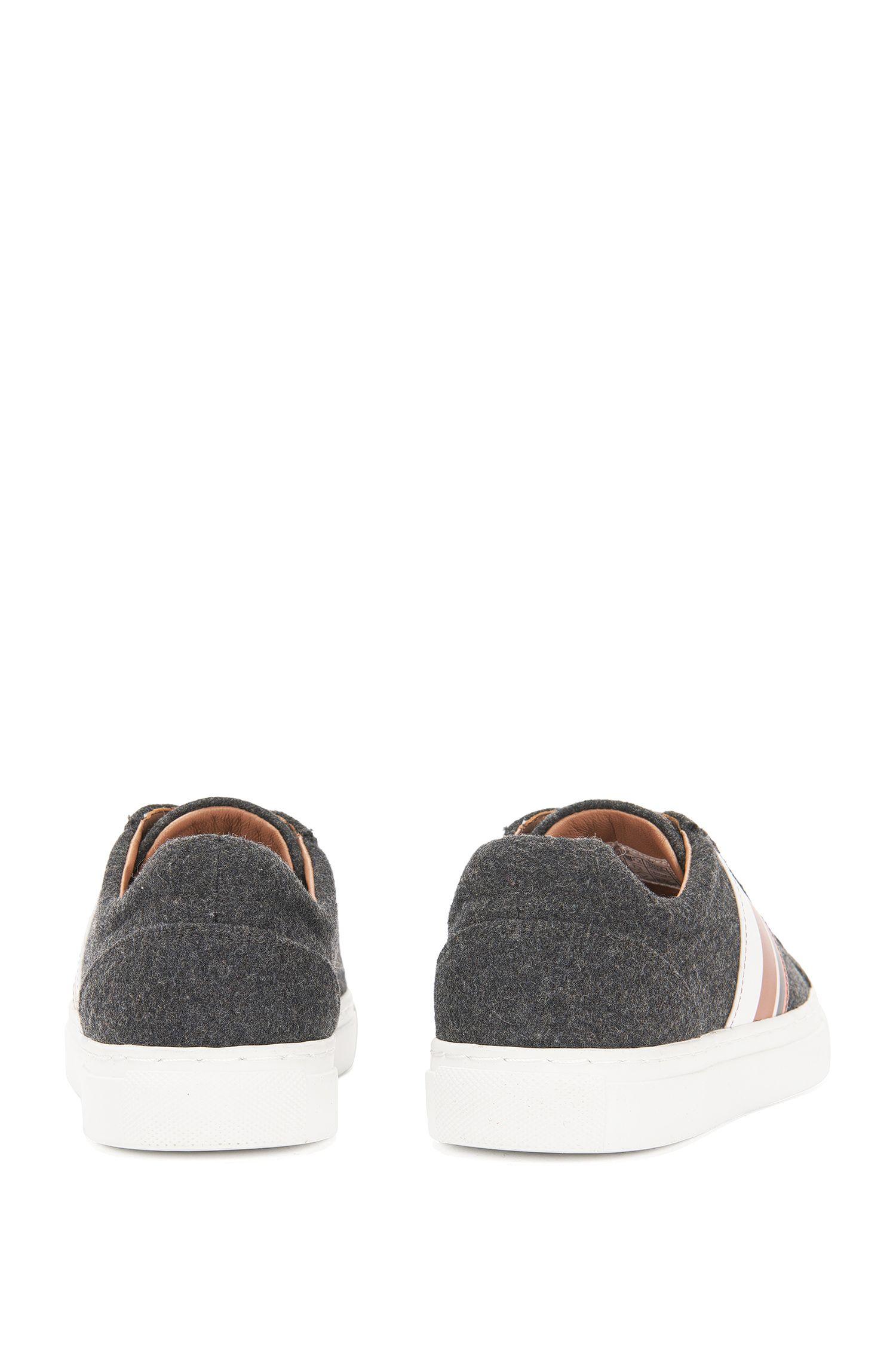 Baskets en feutre ornées de détails en cuir: «Low Cut LB»