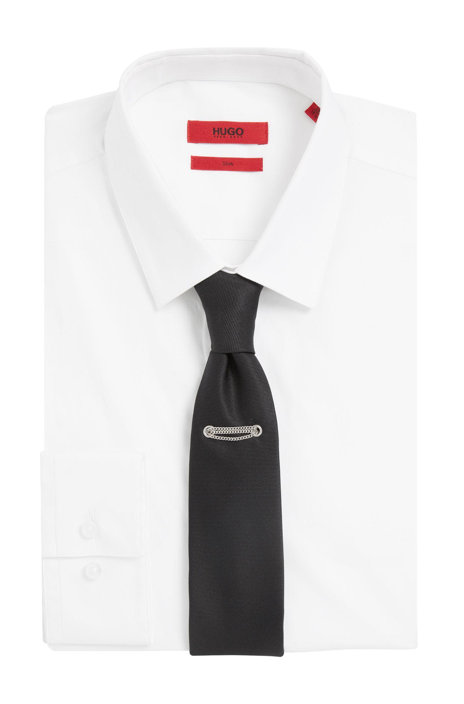 Cravate en soie avec détail en métal: «Tie cm 6 with chain»