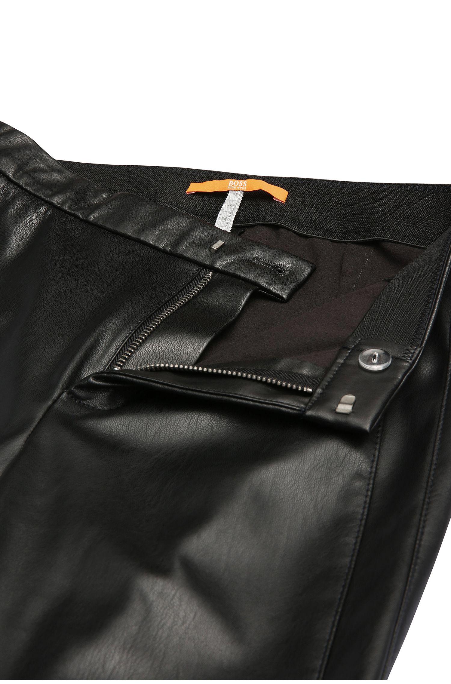Pantalon Slim Fit en matières mélangées, effet cuir: «Sapali»