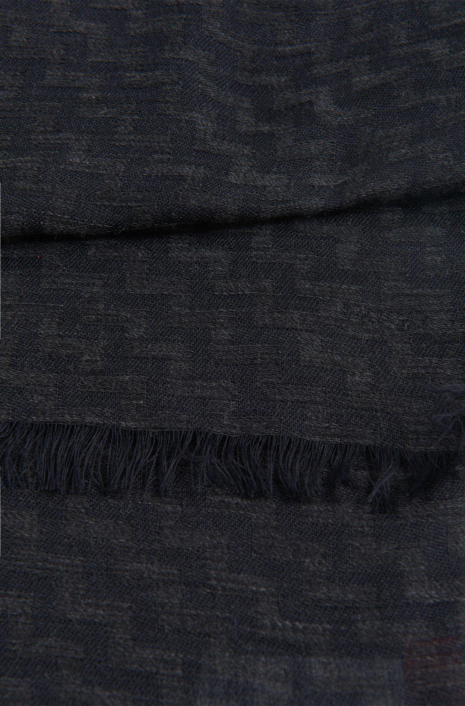 Écharpe en viscose et laine vierge ornée d'un motif en zigzag: «Men-Z 502»