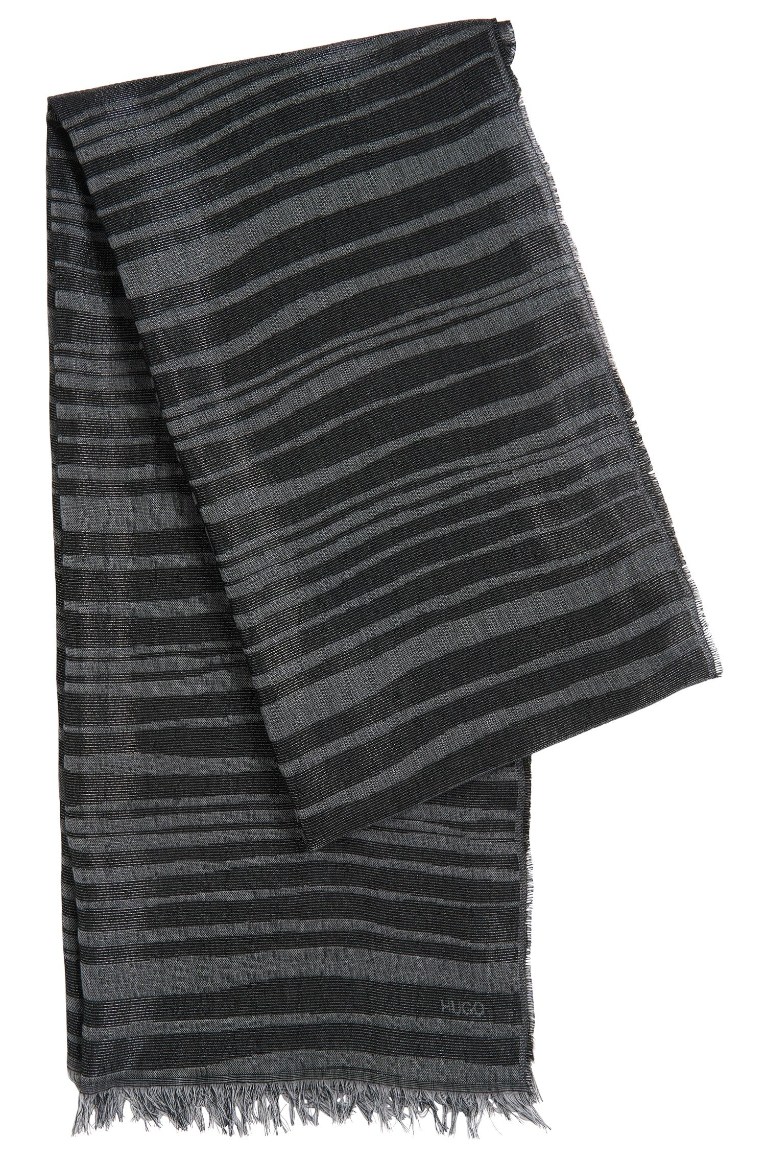 Gestreepte sjaal van een viscosemix met katoen: 'Women-Z 535'