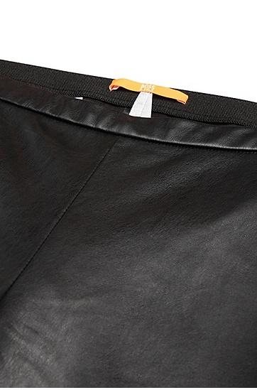 Skinny-Fit Hose in Leder-Optik im Biker-Stil: ´Saledy`, Schwarz