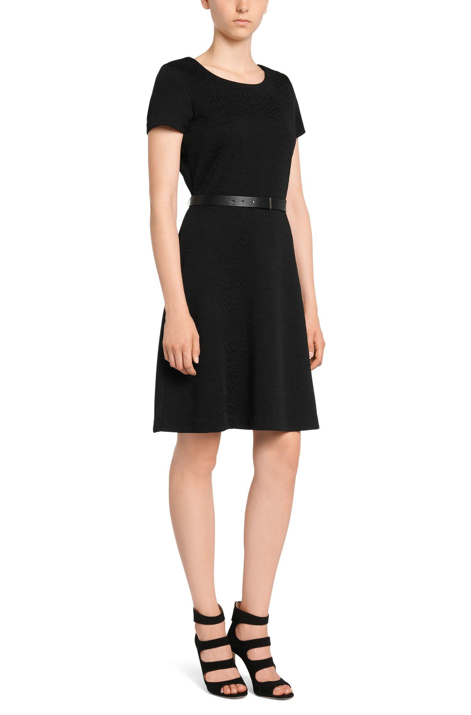 Kurzarm-Kleid mit griffiger Gewebe-Struktur: 'Damelia'