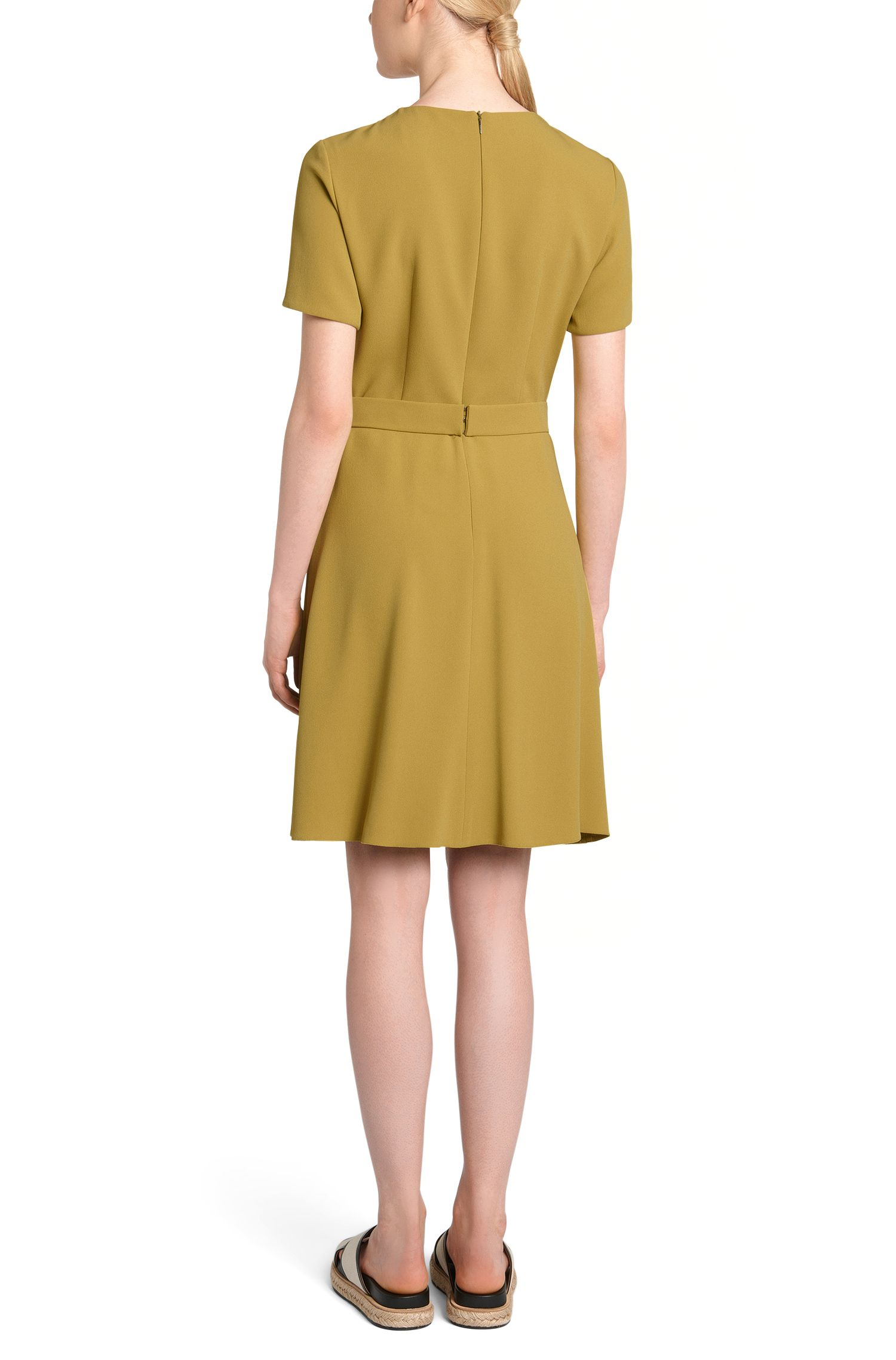 Kleid mit farblich abgestimmten Gürtel: 'Dalinkana'
